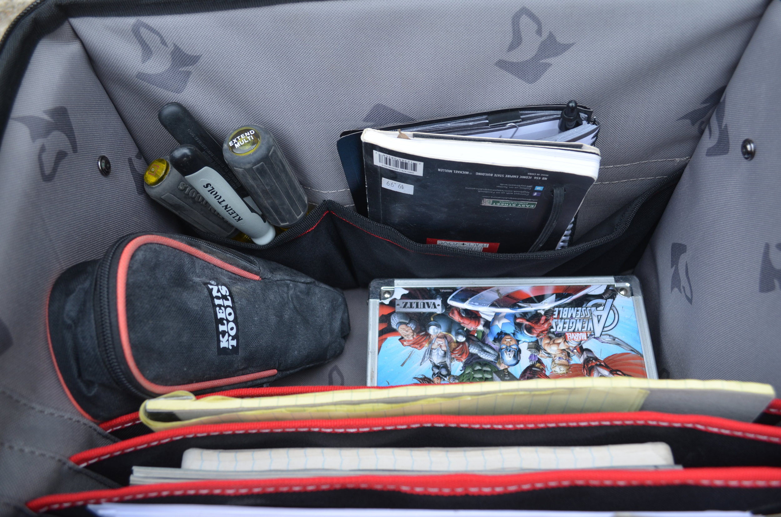 husky-16-inch-mobile-office-with-tools