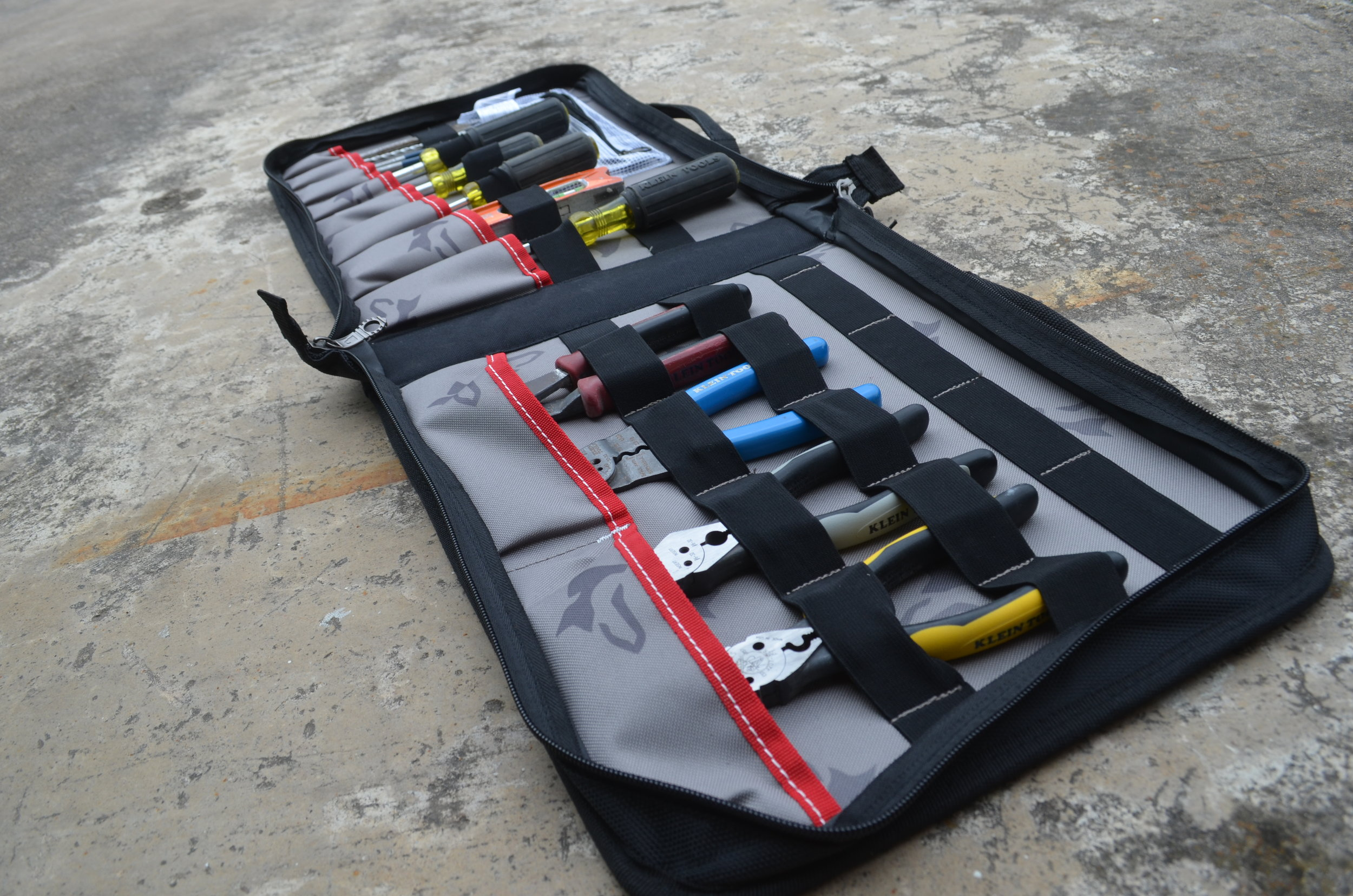husky-19-inch-pro-hybrid-tote-tool-organizer-filled