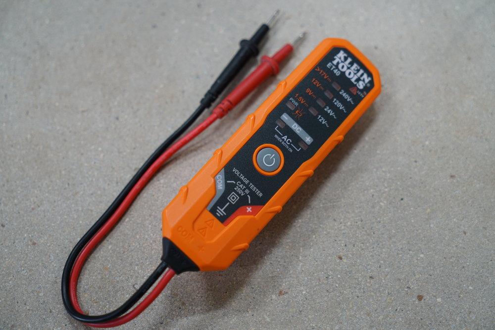 klein-et40-pocket-voltage-tester