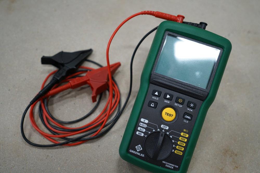 greenlee-5882a-megohmeter-multimeter-megger
