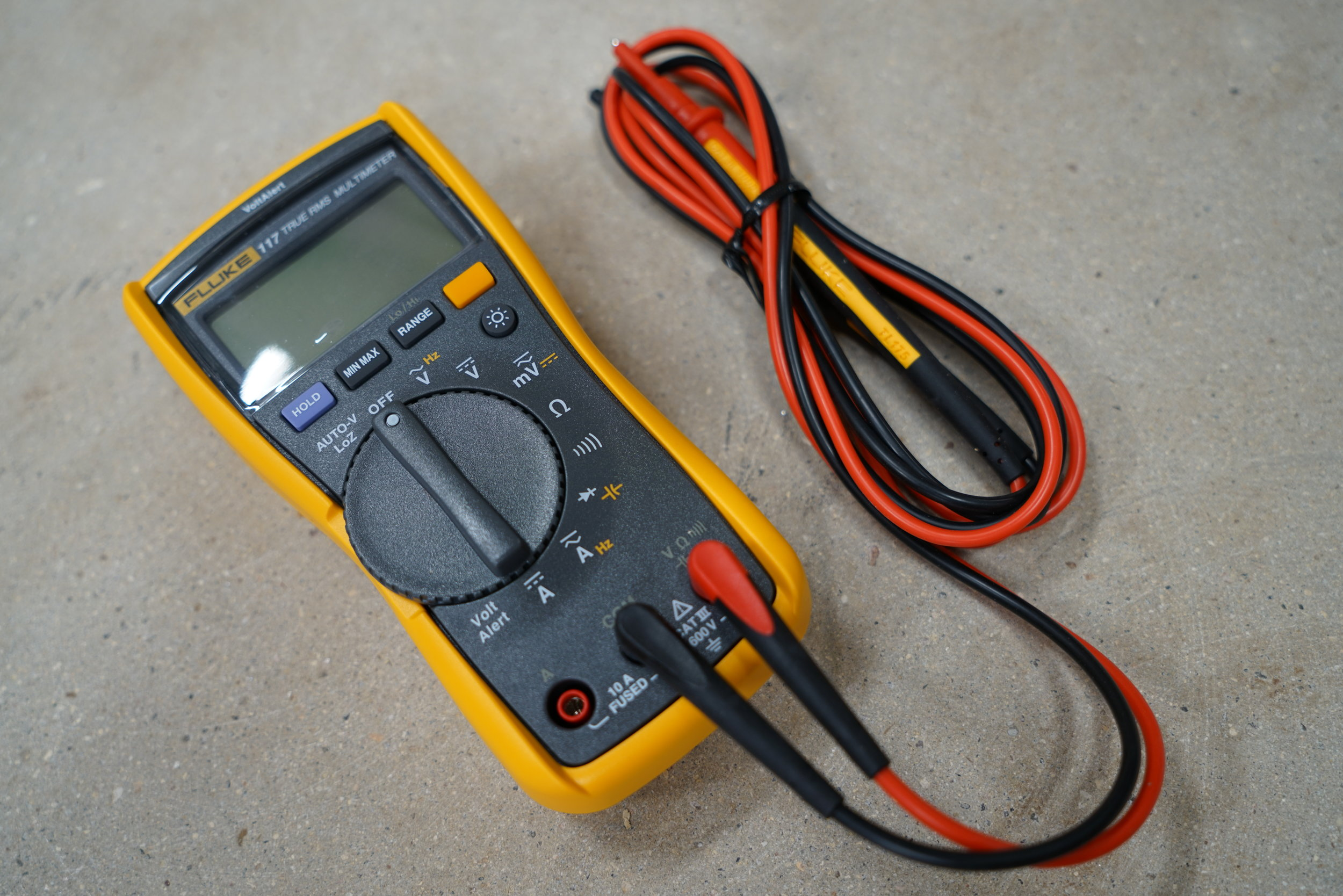 fluke-117-digital-true-rms-multi-meter