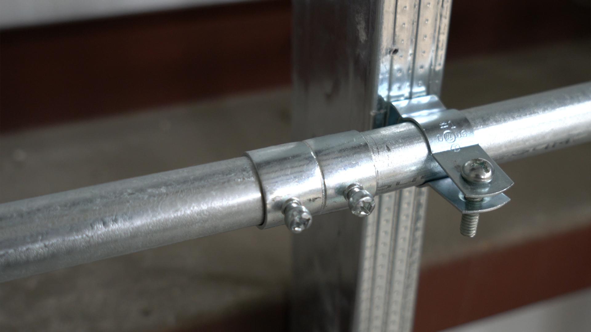 EMT-conduit-set-screw-coupling-indoor-fitting