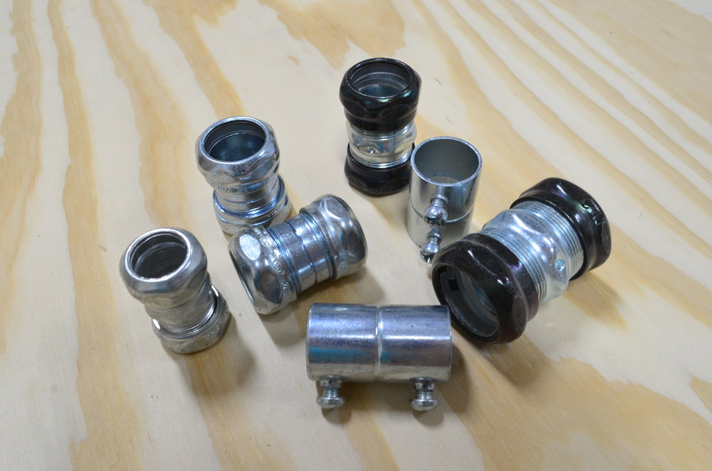 emt-couplings-connectors-steel-set-screw-rain-tight