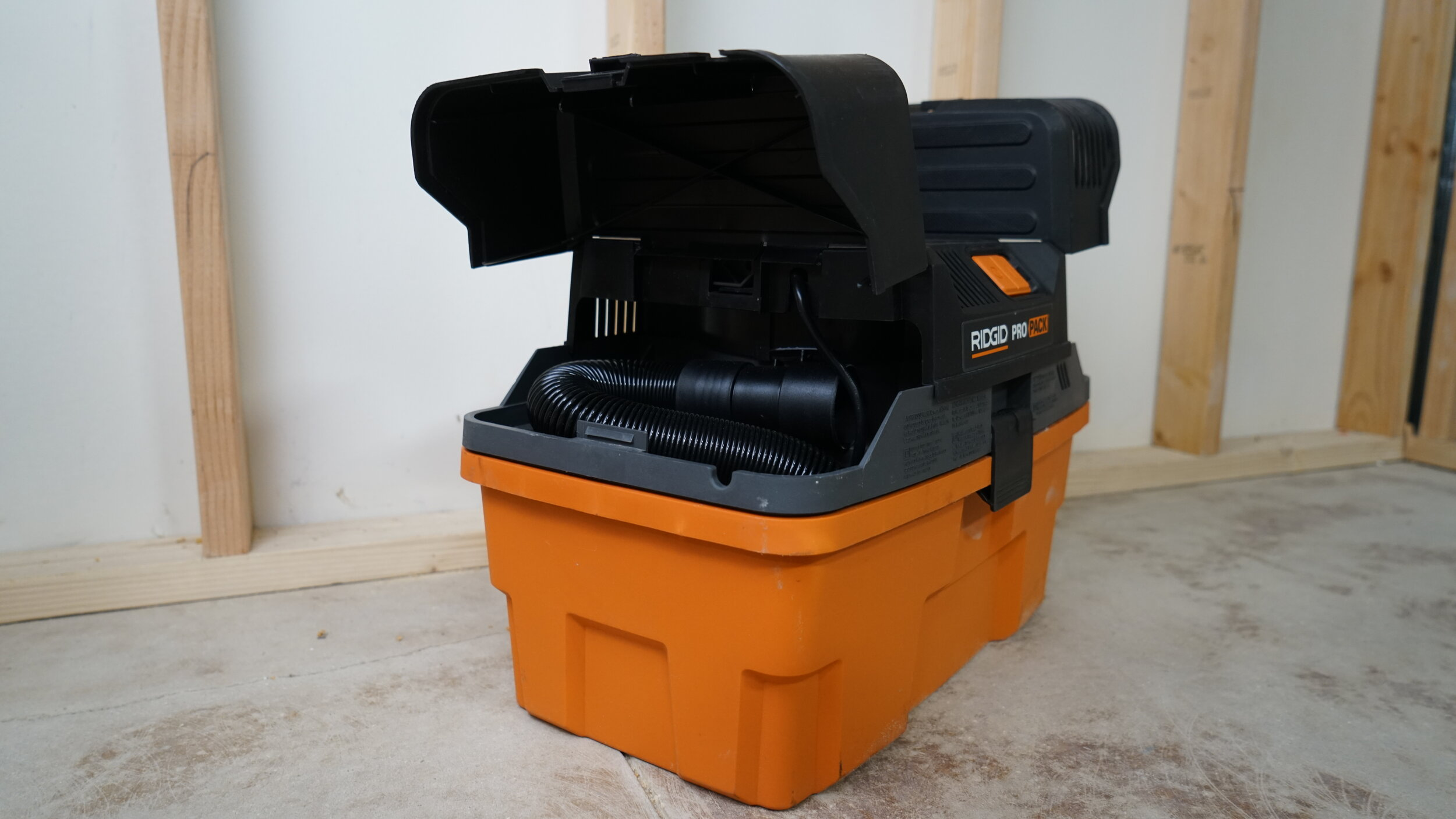 ridgid-wet-vac-5hp-portable.JPG