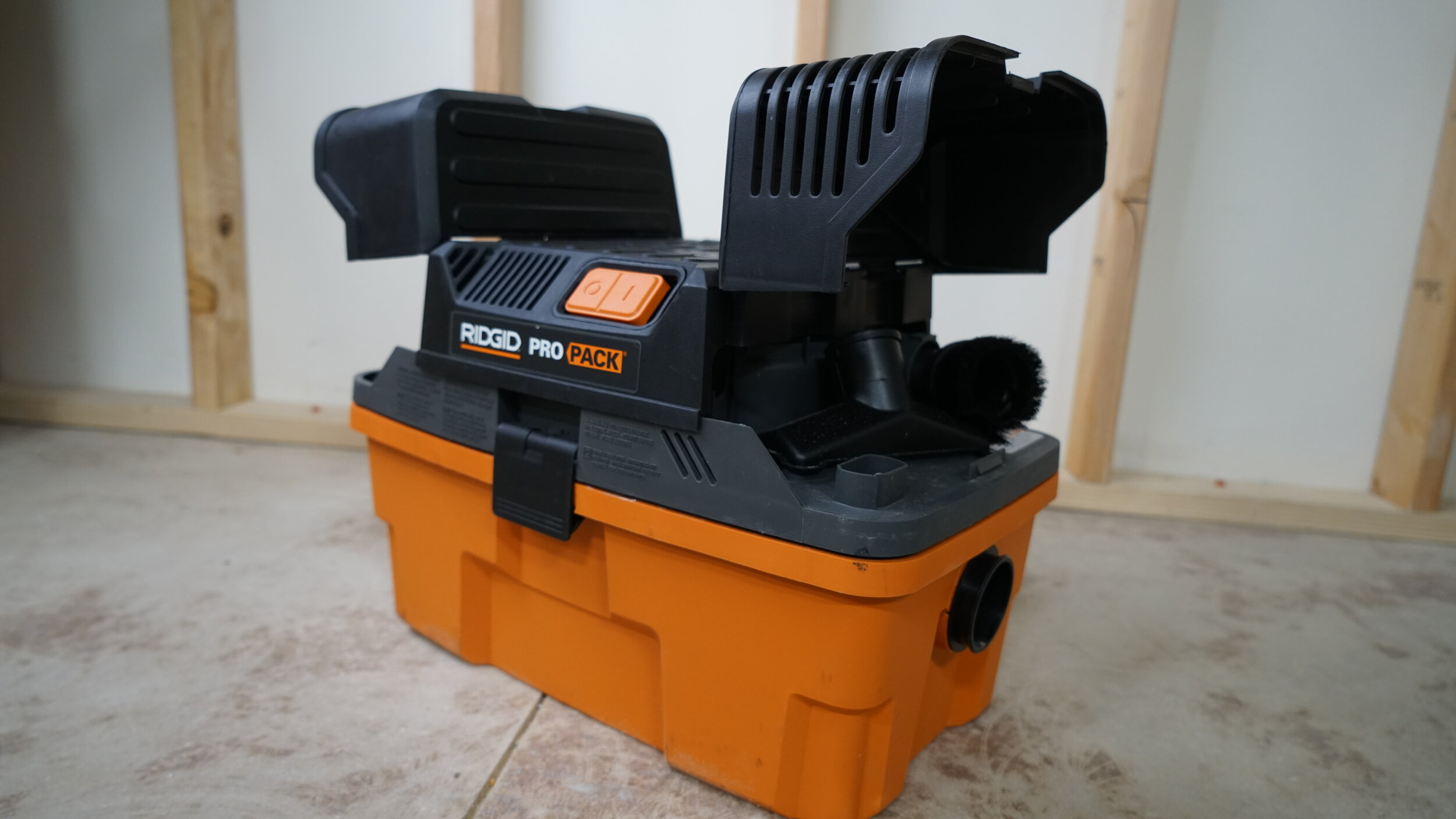 ridgid-wet-dry-vacuum-portable.JPG