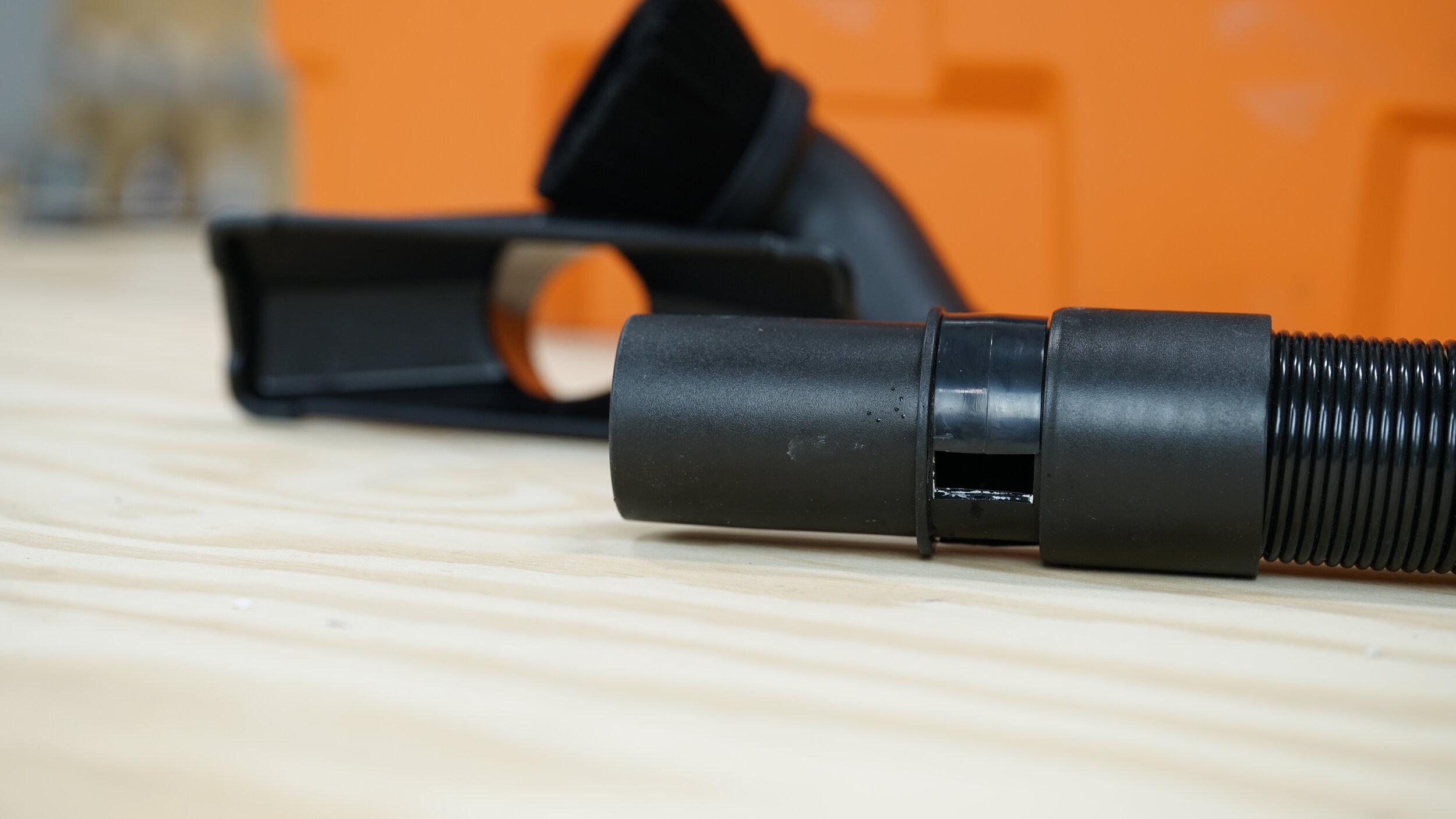 ridgid-portable-5hp-wet-dry-vac-hose.JPG