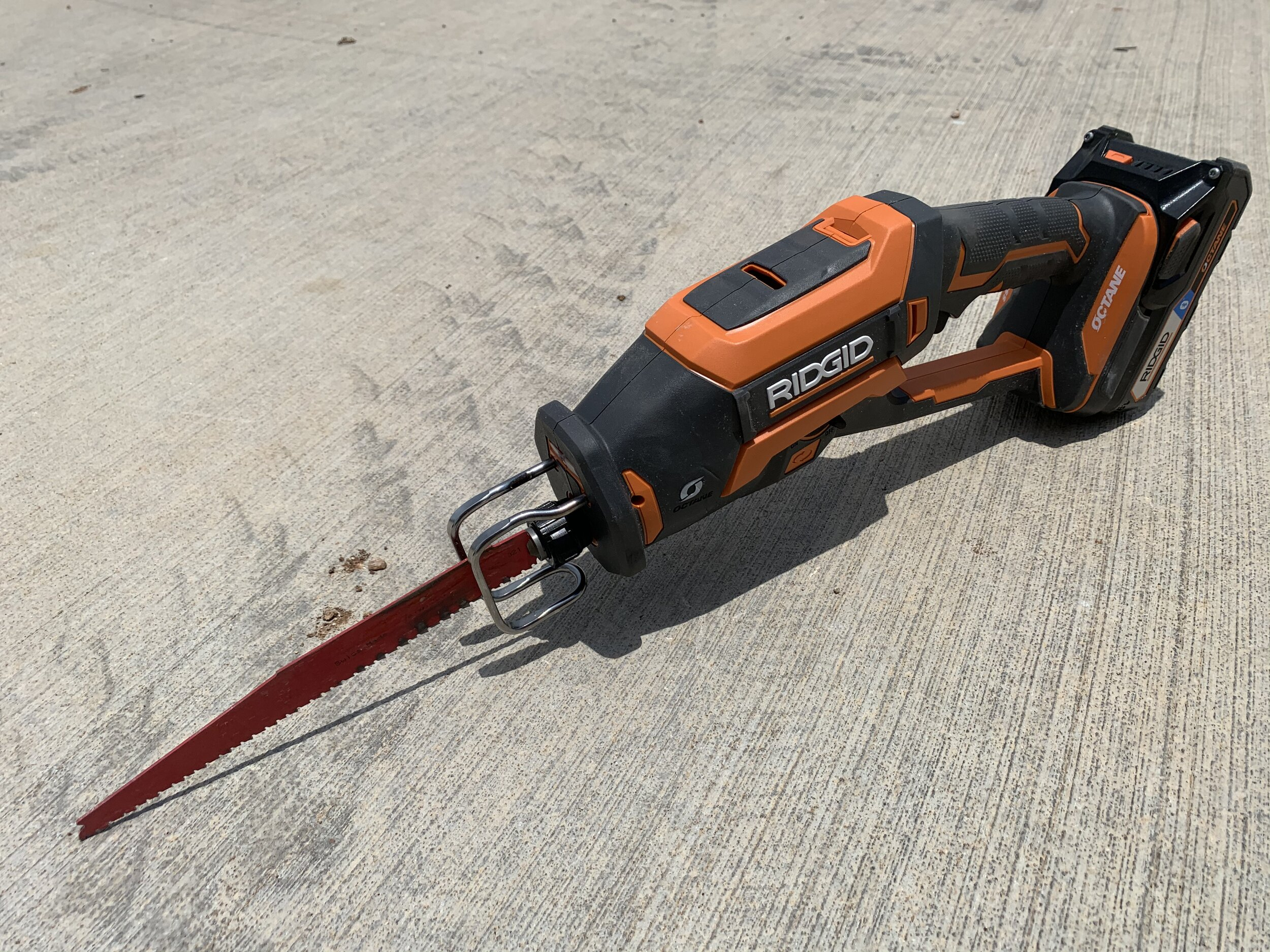 ridgid-one-handed-reciprocating-saw.jpg