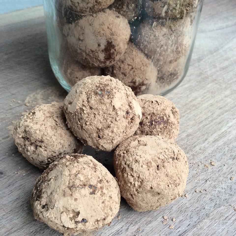 cashew cacao energy balls.jpg