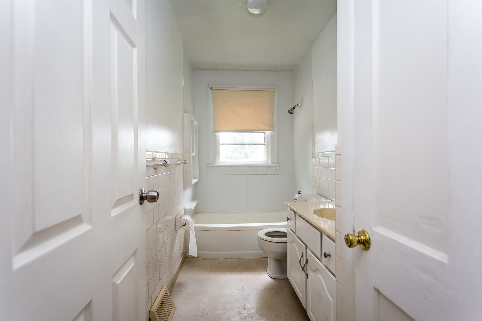 This is the before picture of the bathroom.