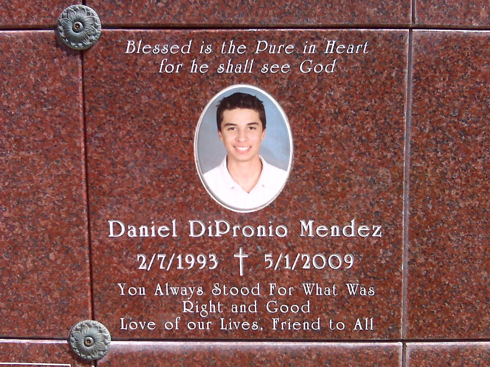 daniel_memorial.jpg