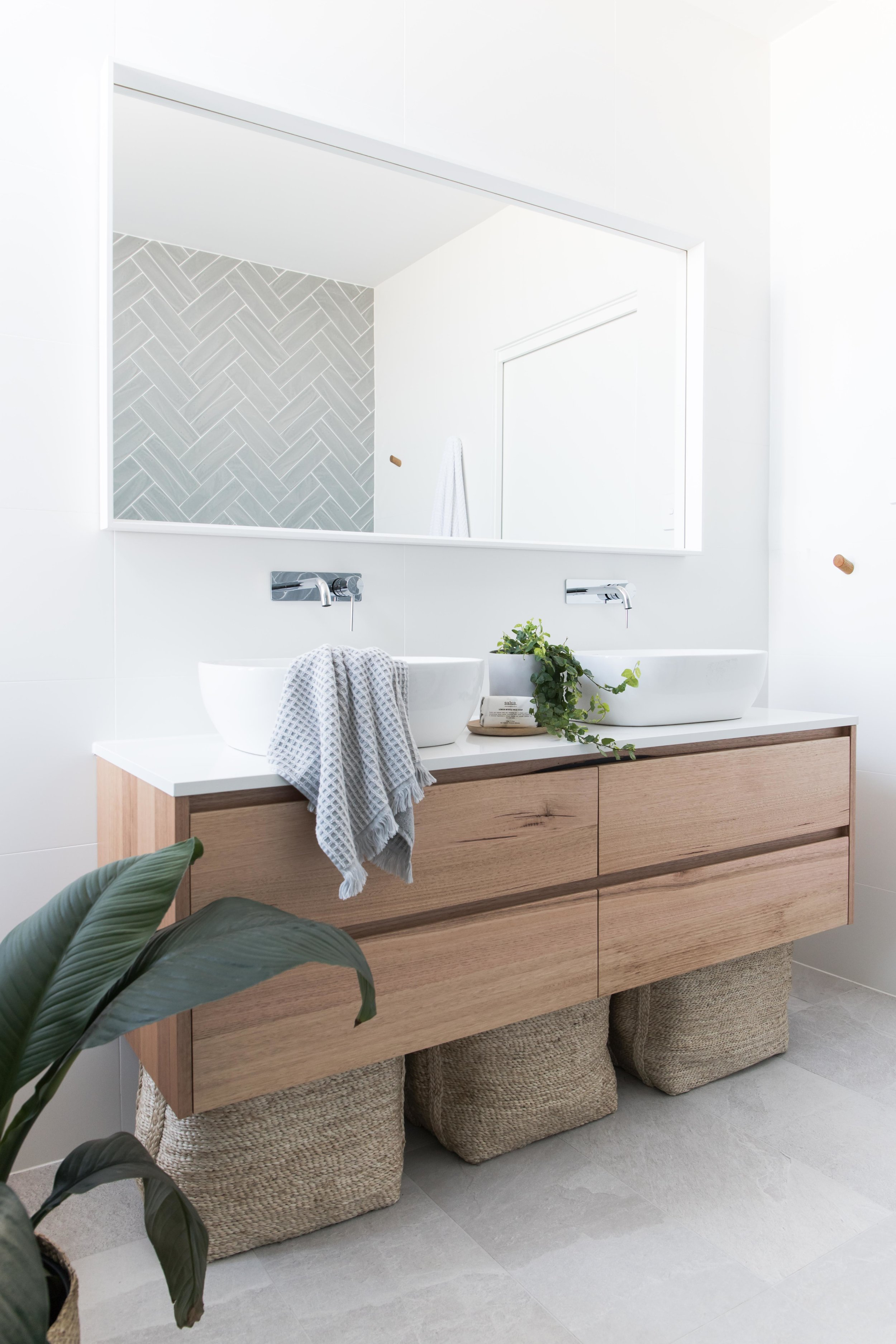 2 in 12 Investment Bathroom Low res-4.jpg