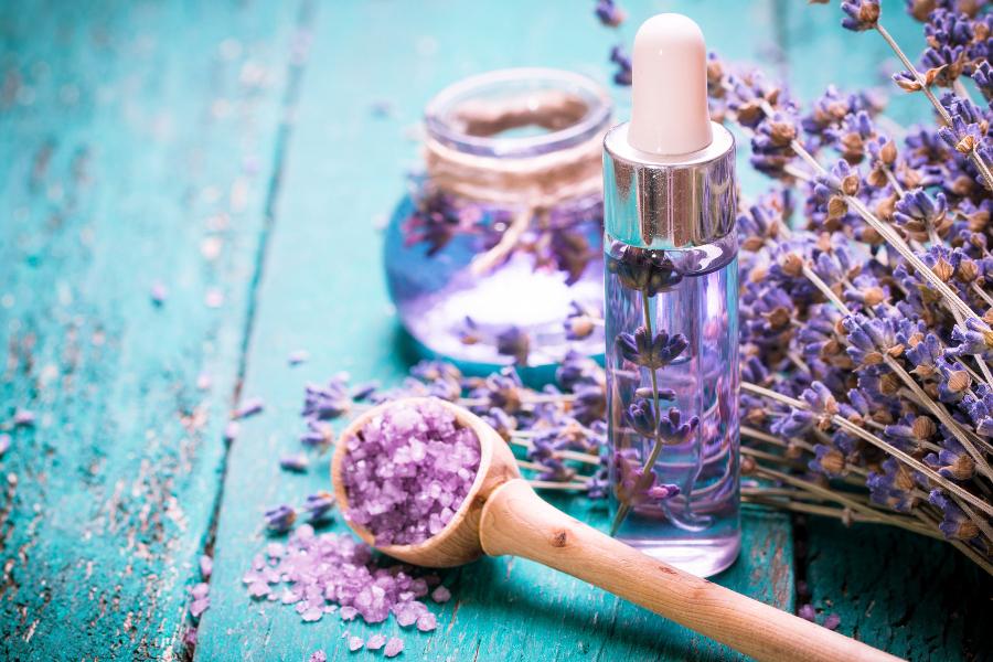 holistic-aromatherapy-herbs-400x267.jpg