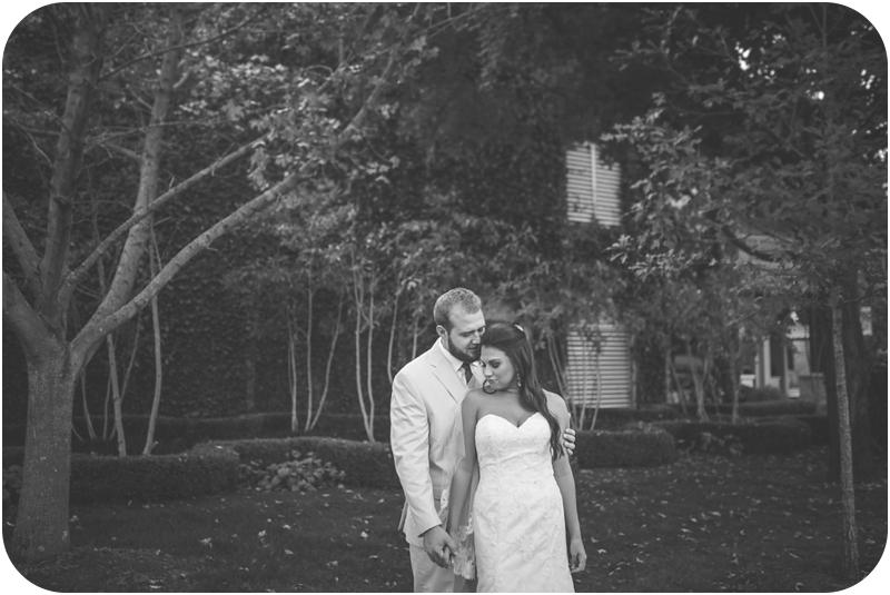 lexington kentucky wedding photographer bride and groom portraits