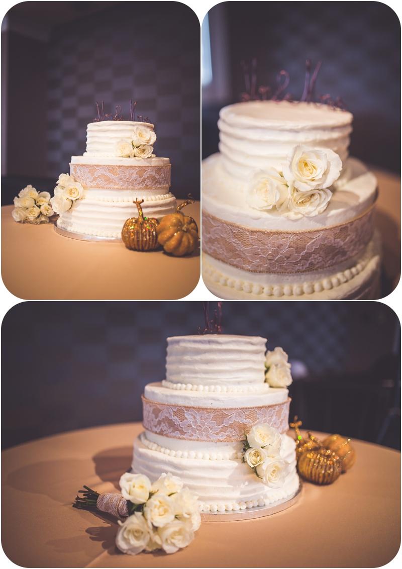 wedding cake at fasig tipton wedding reception