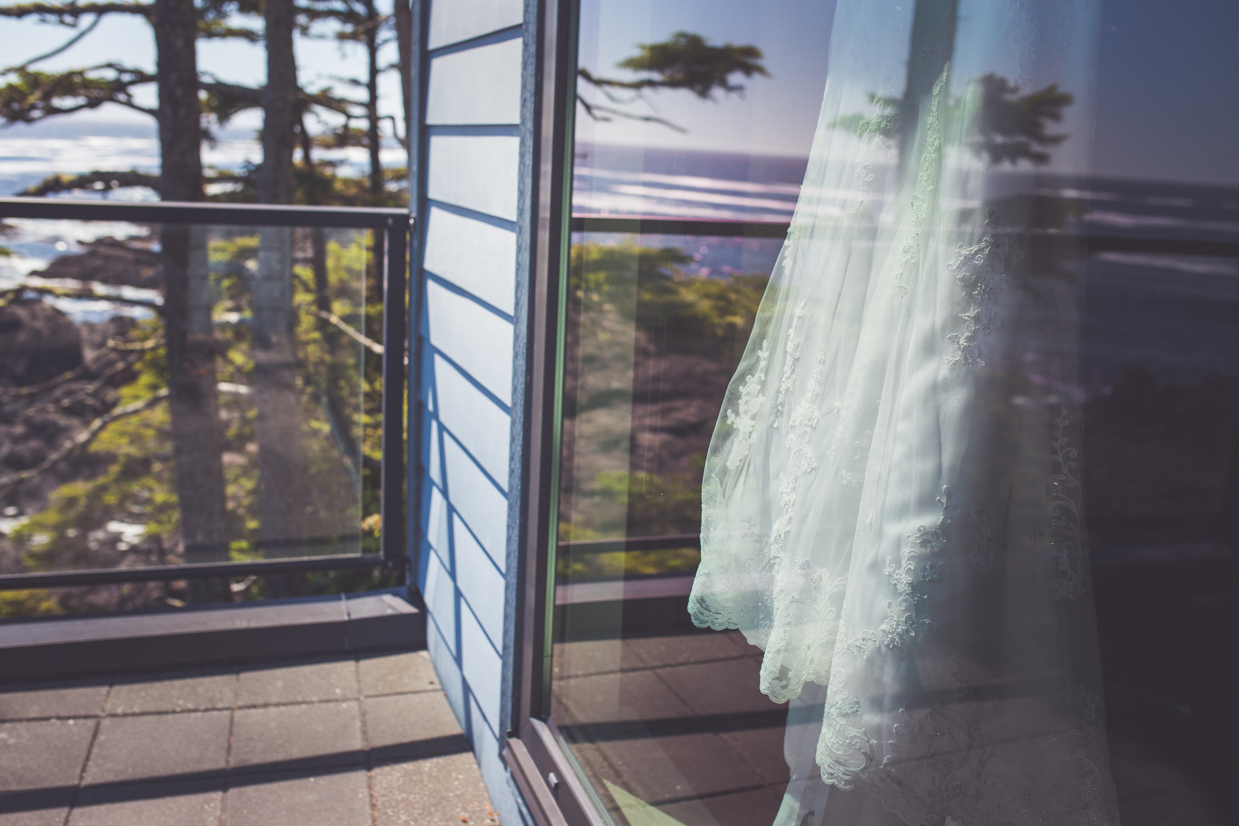 black-rock-oceanfront-resort-weddings-ucluelet-bc-courtney-jake-113.jpg
