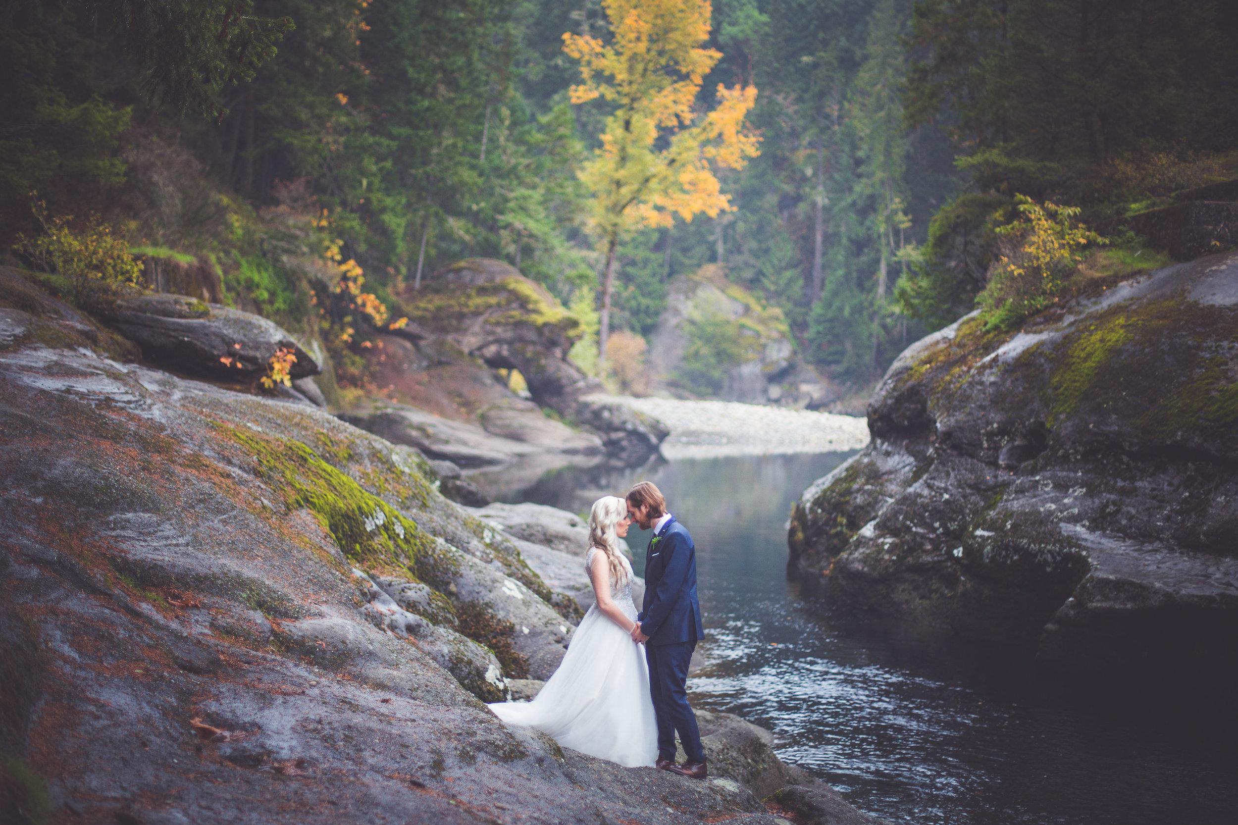 whimsical-romantic-wedding-top-bridge-3.jpg