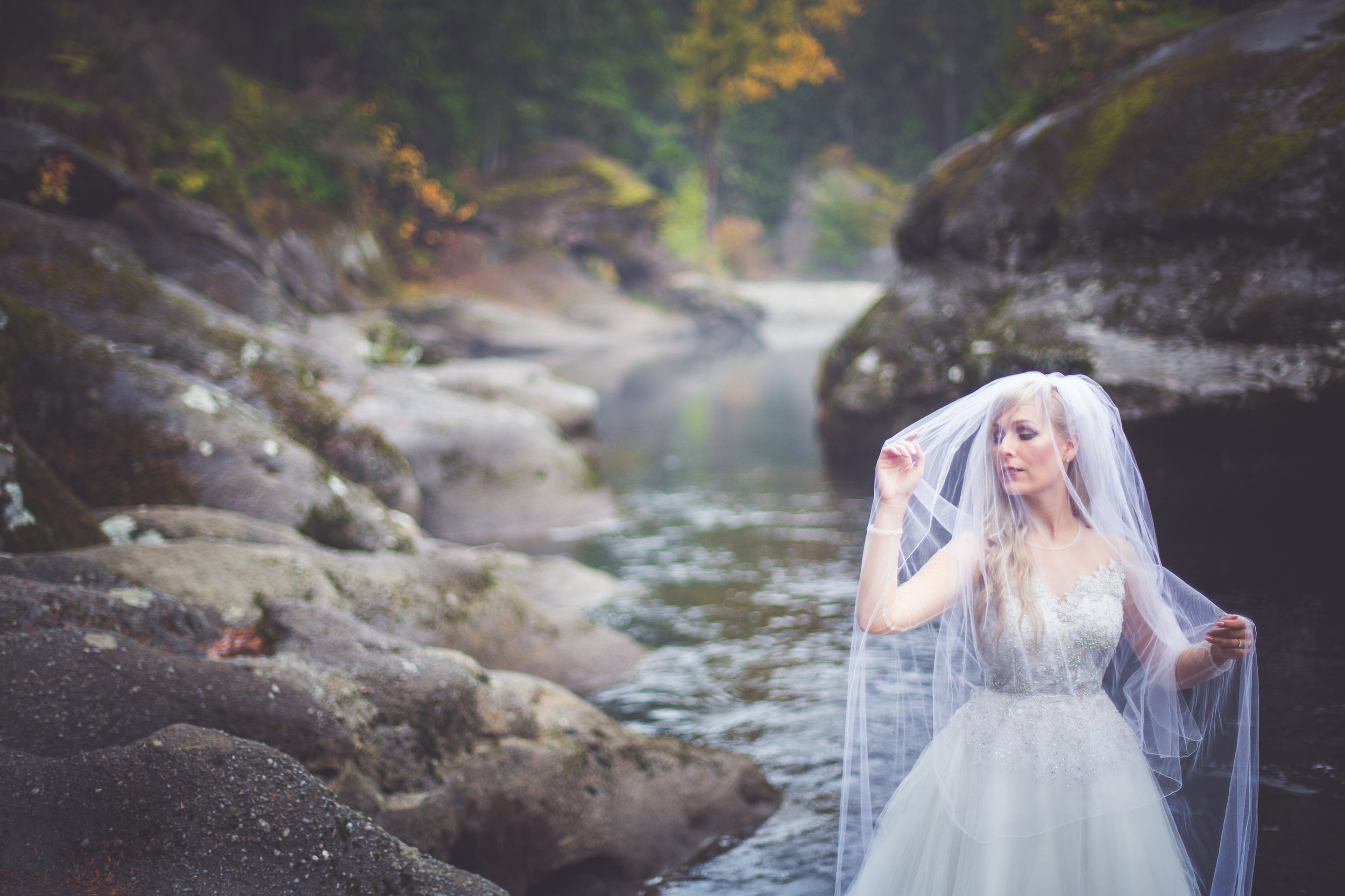 whimsical-romantic-wedding-top-bridge-16.jpg