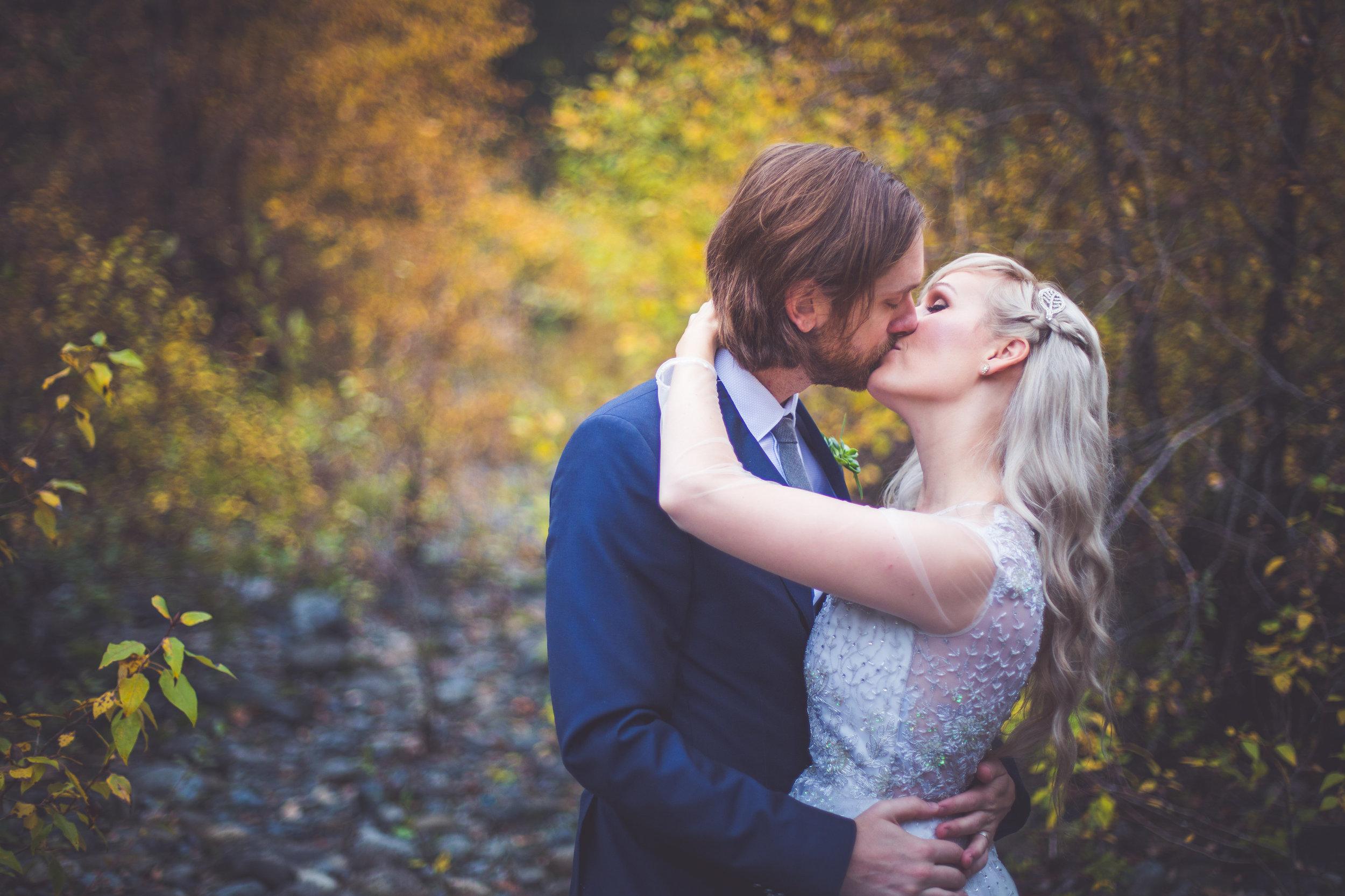 whimsical-romantic-wedding-top-bridge-29.jpg
