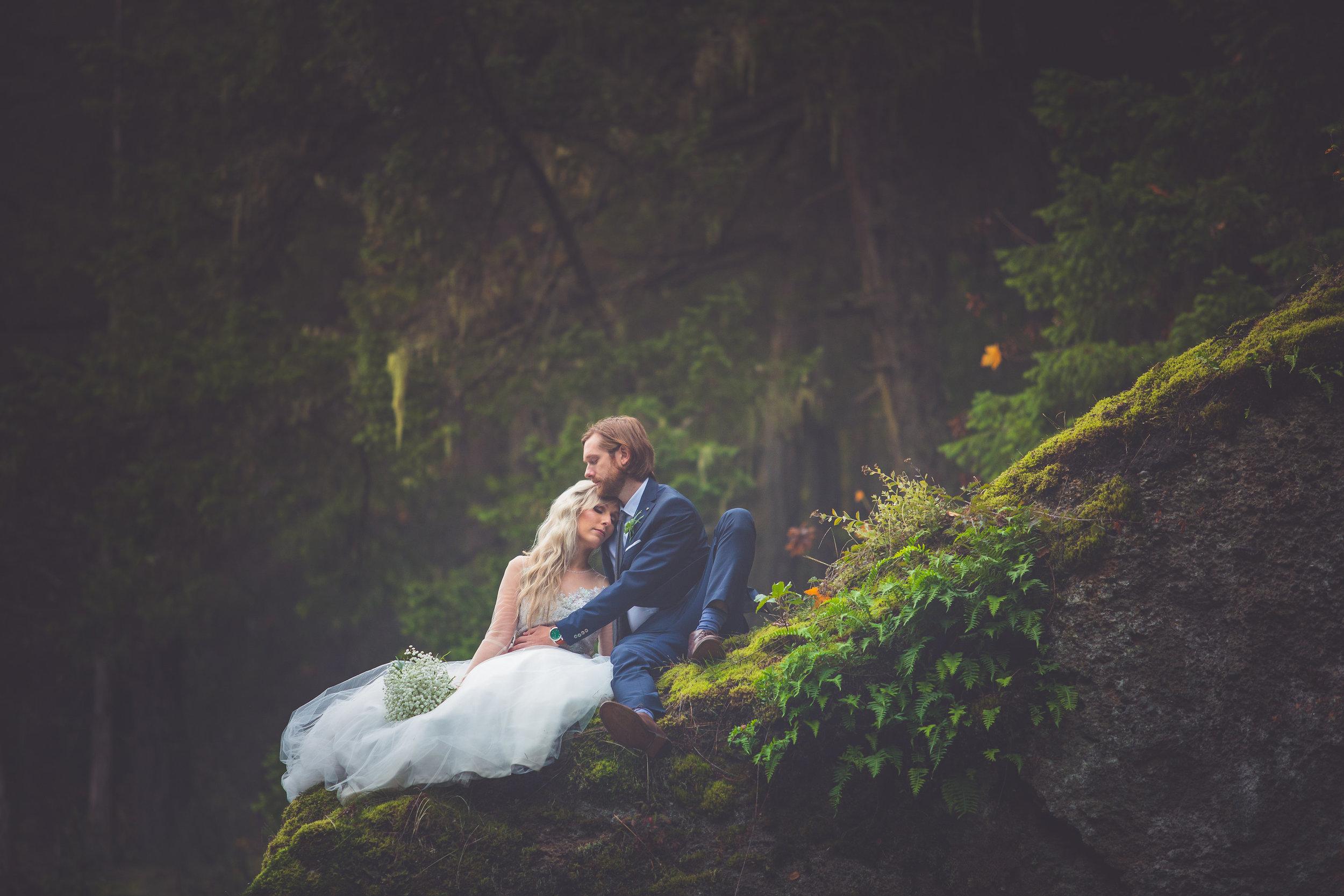 whimsical-romantic-wedding-top-bridge-40.jpg