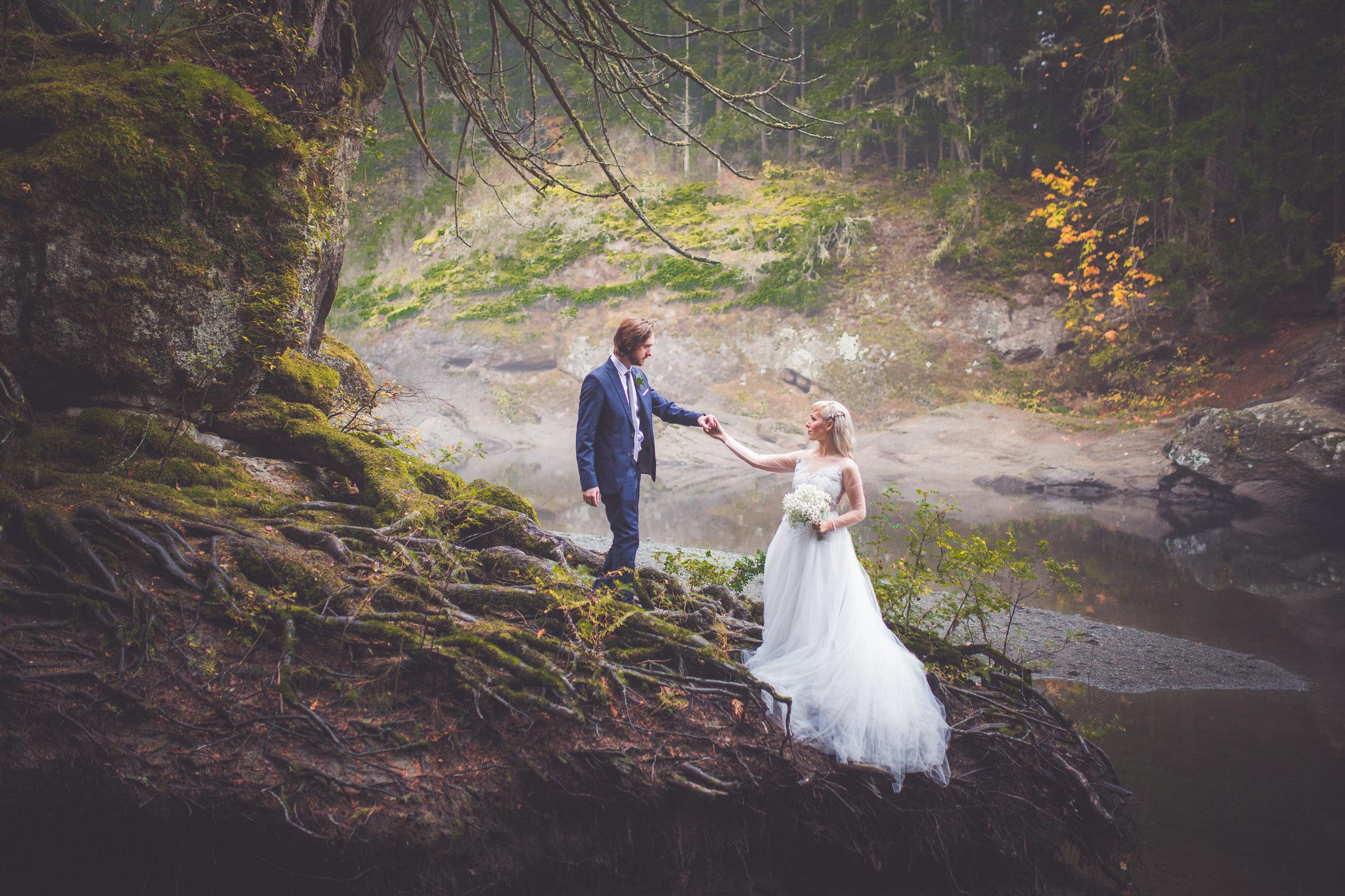 whimsical-romantic-wedding-top-bridge-46.jpg