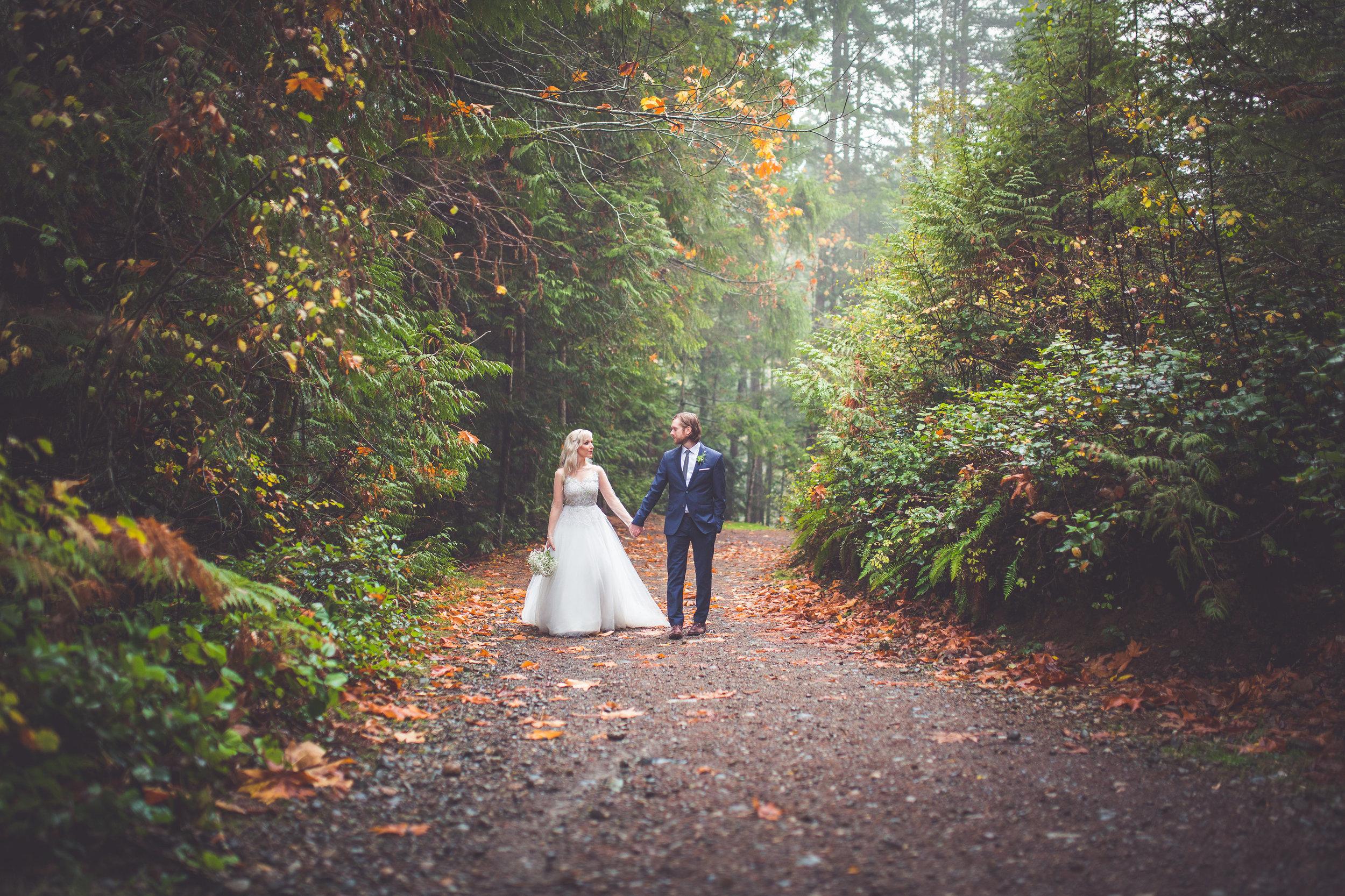 whimsical-romantic-wedding-top-bridge-54.jpg