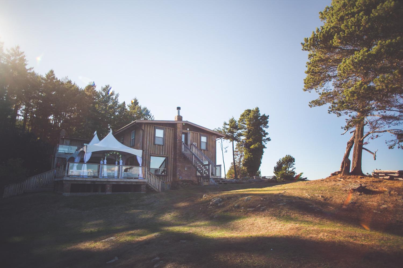 dragons-lodge-romantic-gabriola-island-wedding-17.jpg