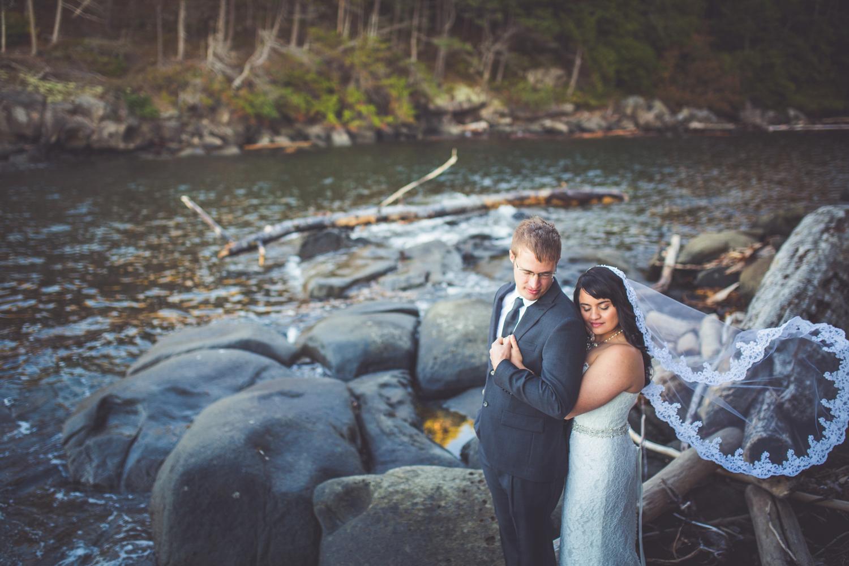 dragons-lodge-romantic-gabriola-island-wedding-149.jpg