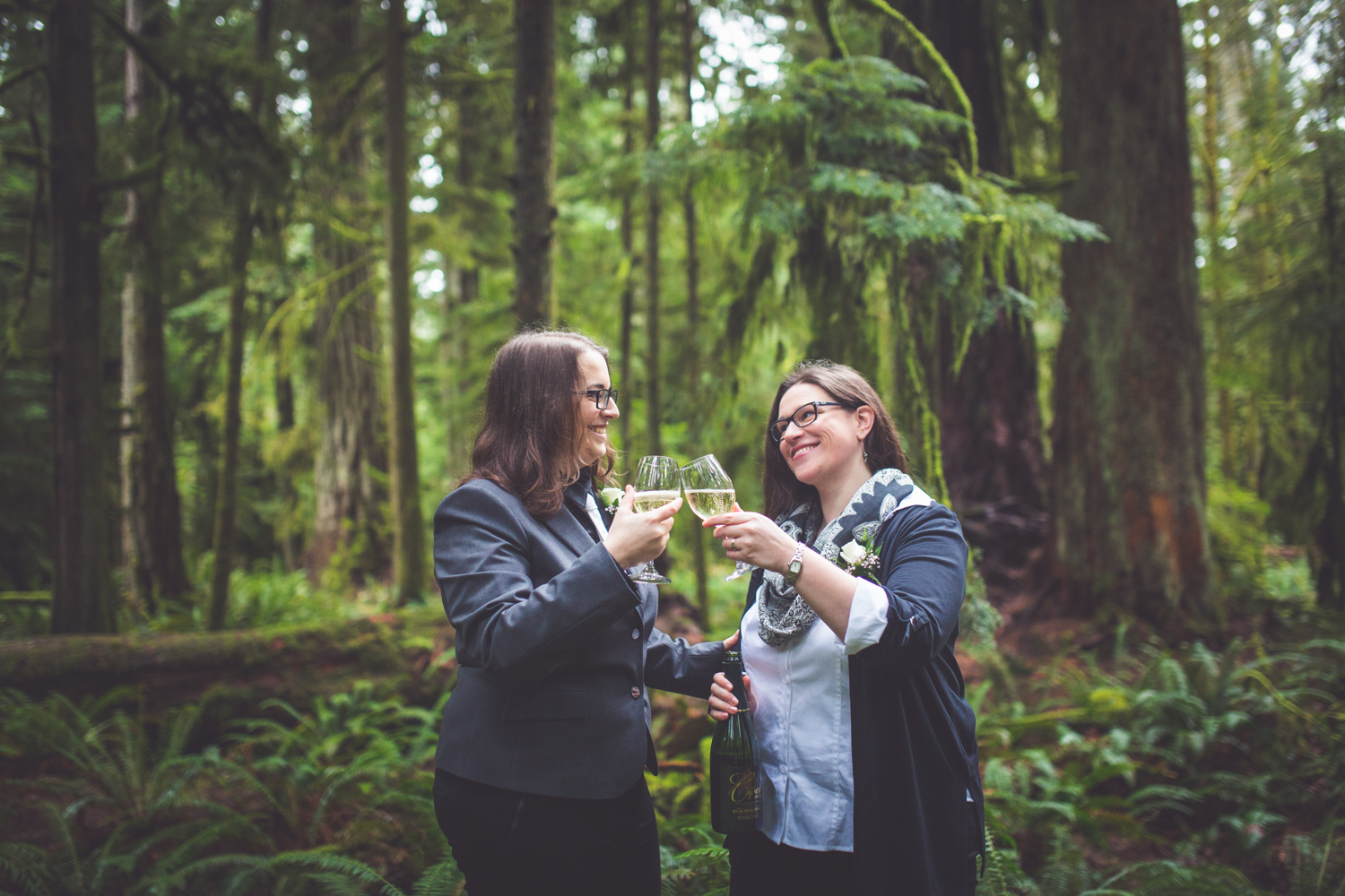 cathedral-grove-elopement-photos-26.jpg