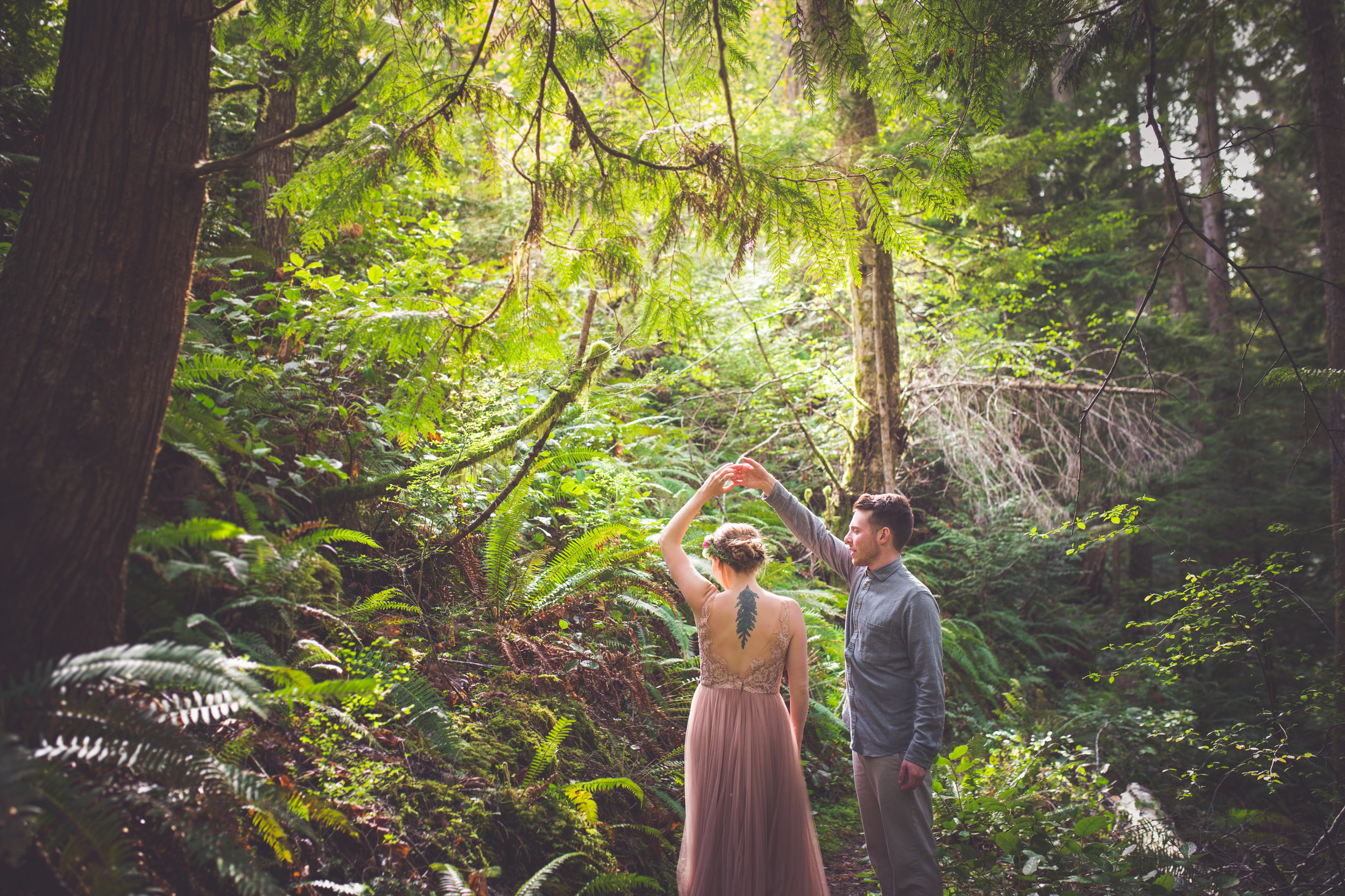 couple dancing in qualicum beach forest
