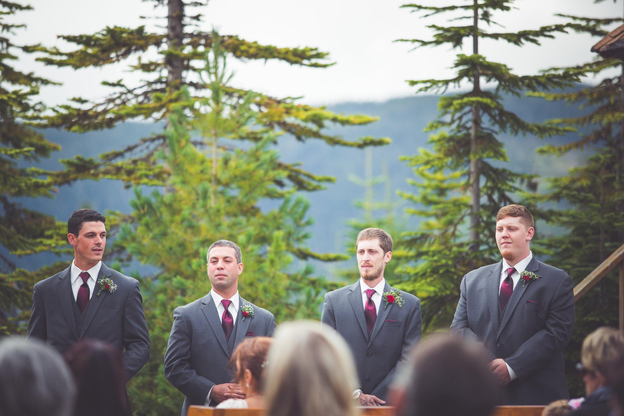 groomsmen at mount washington resort wedding