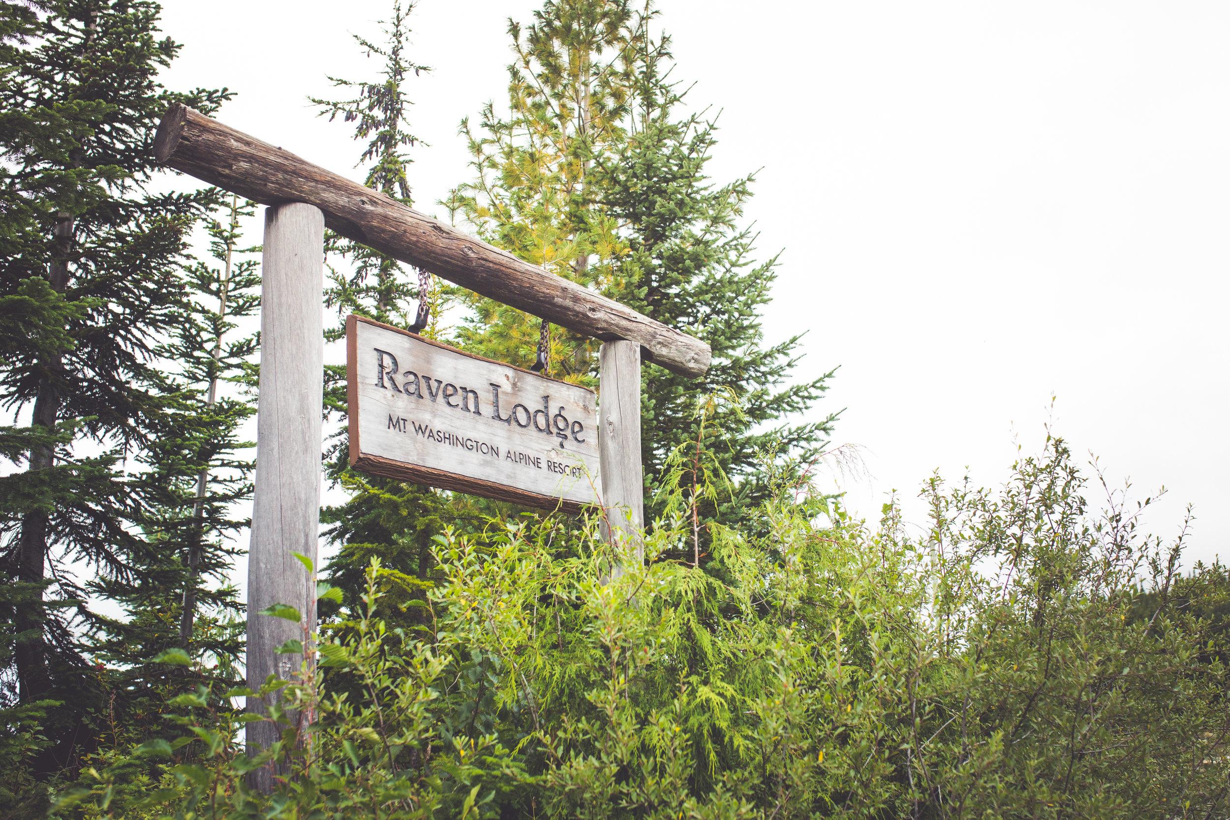 raven lodge sign at mount washington resort