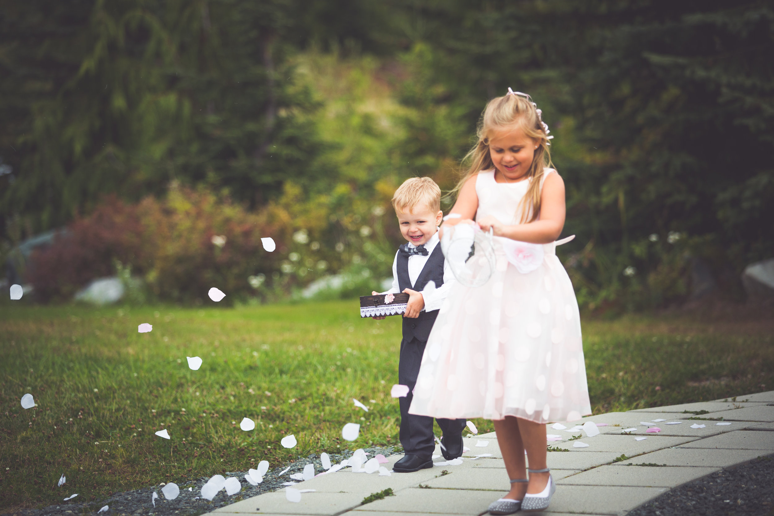 mount washington resort wedding flower girl and ring bearer