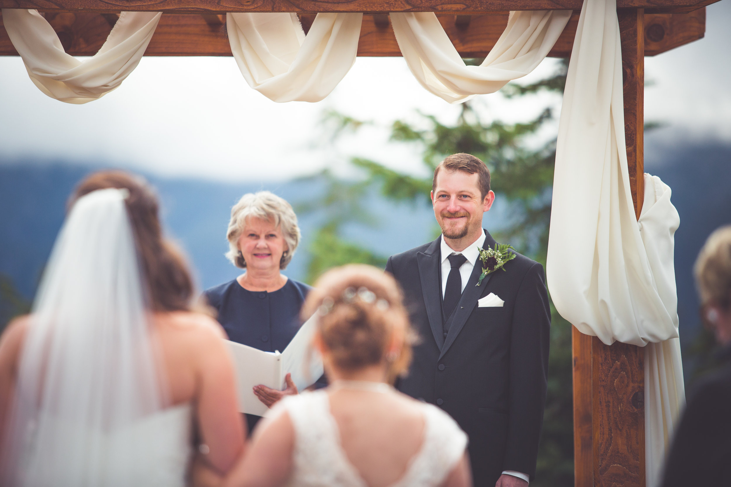 groom sees bride for first time at vancouver island wedding