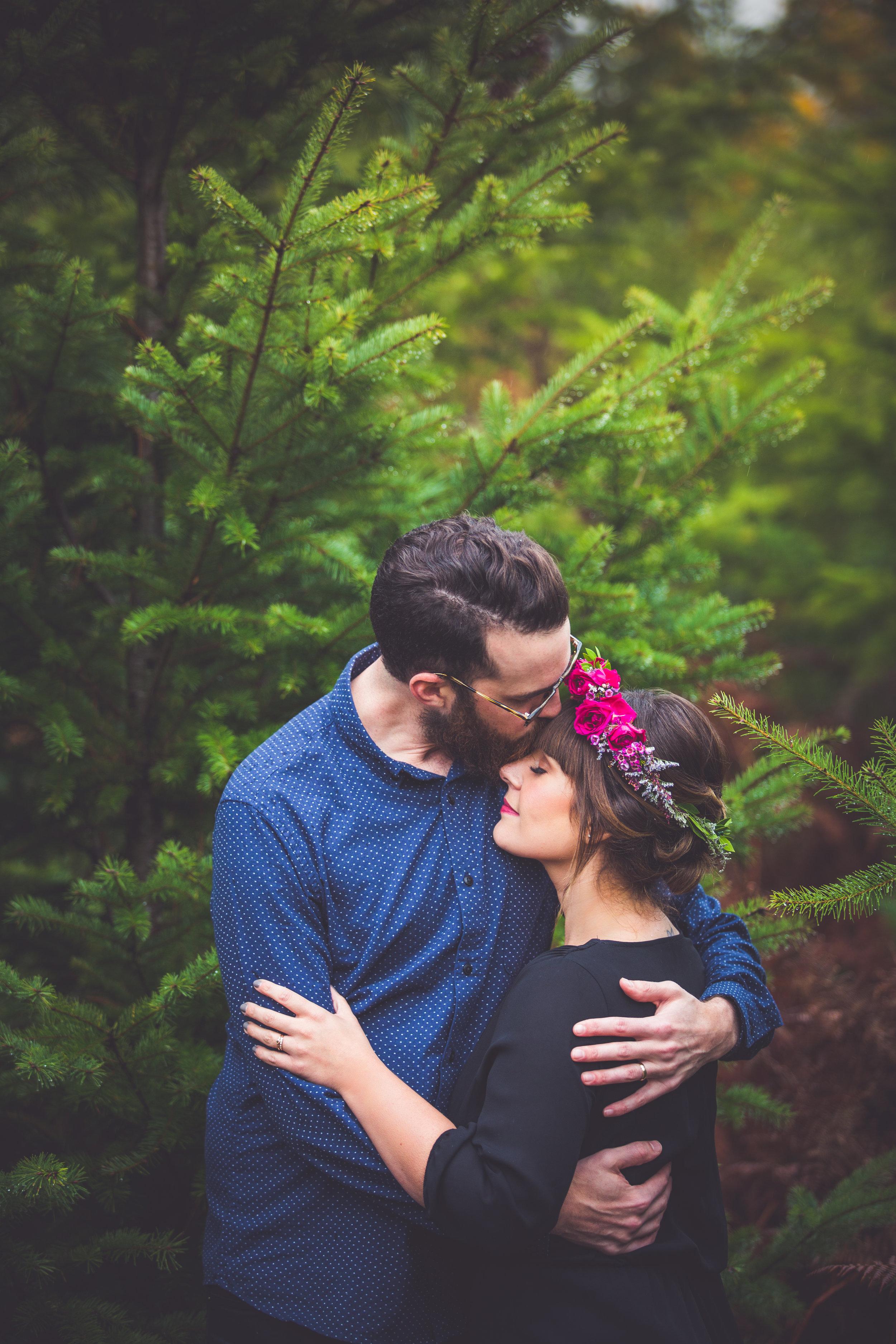 romantic engagement photos vancouver island