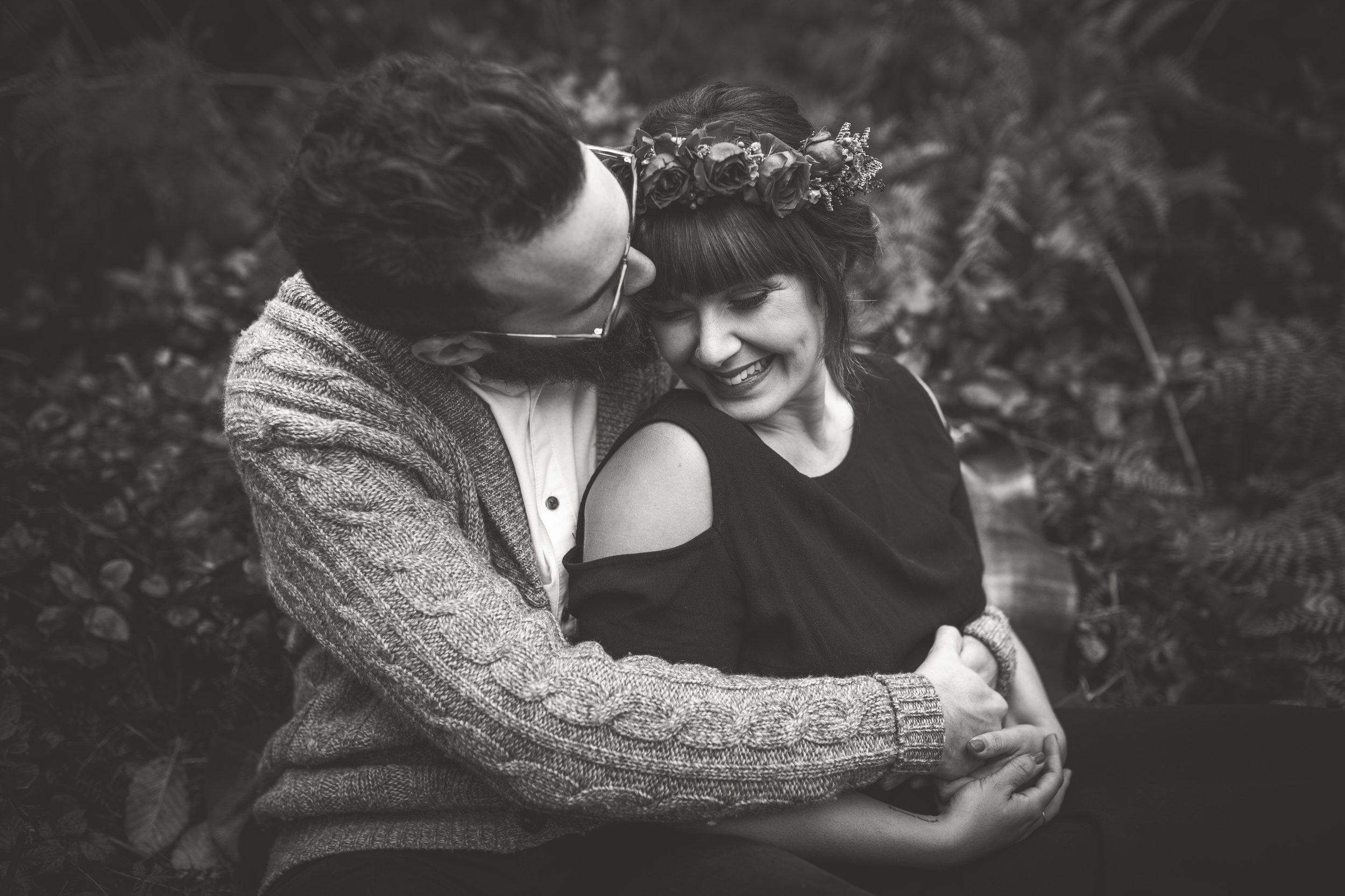 romantic engagement photography vancouver island