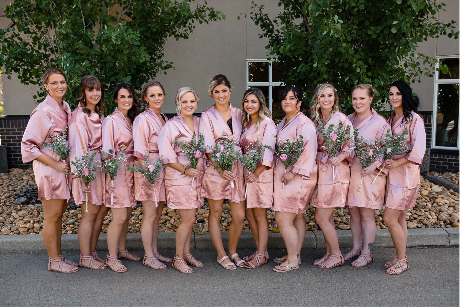 08_Shannon and Dylan June 15 ALL RAW4690_Bridesmaids_Photographer_Gettingready_Drumheller_Wedding.jpg