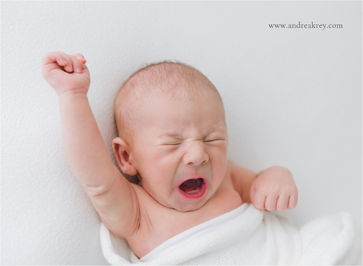 funny-newborn-photos-savannah-ga