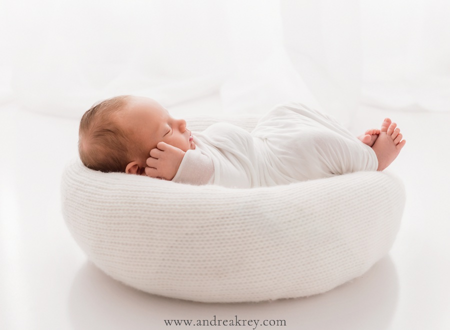 Newborn-baby-family-photographers-Charleston-GA.jpg