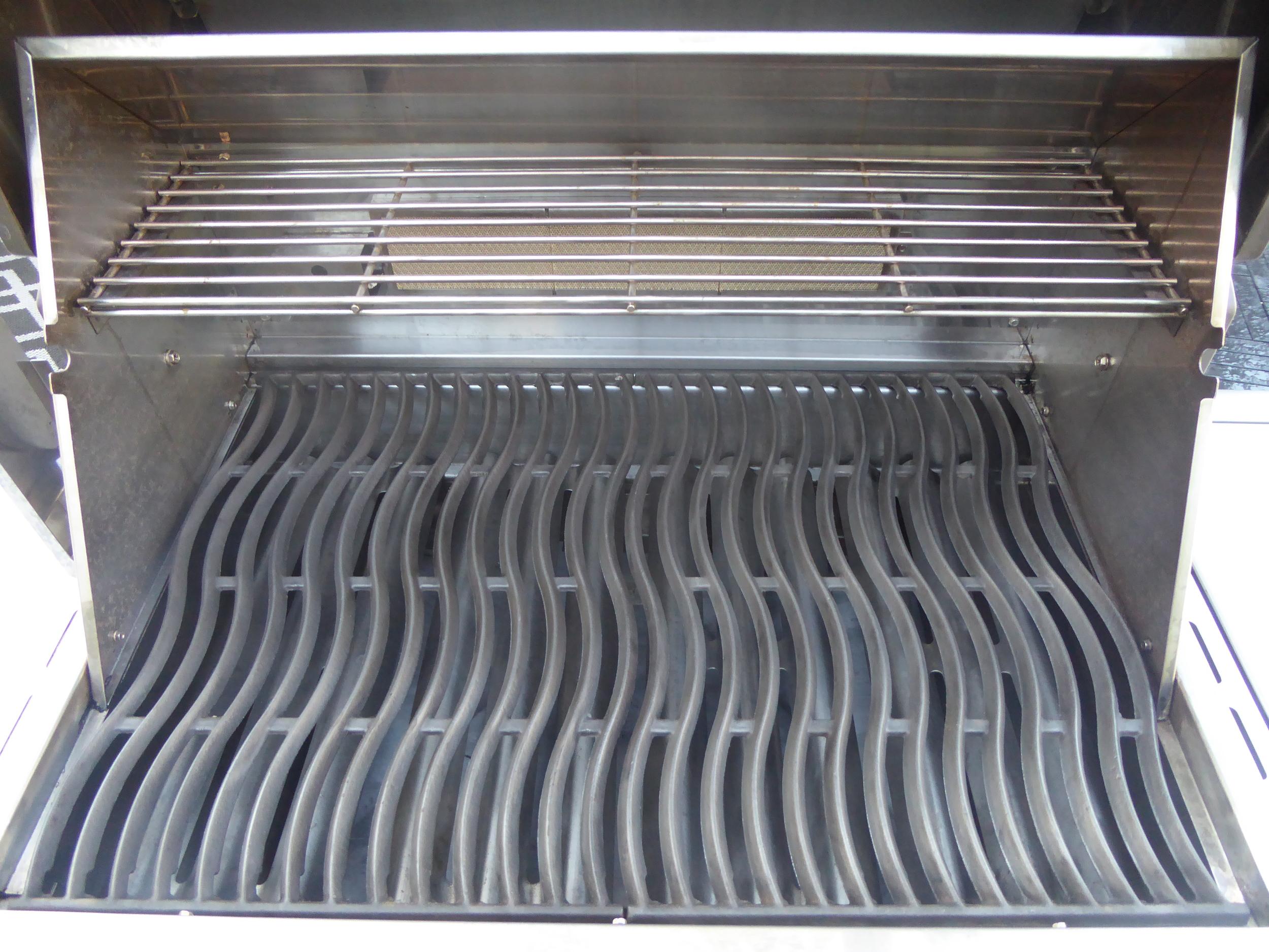 Clean Grills in.JPG