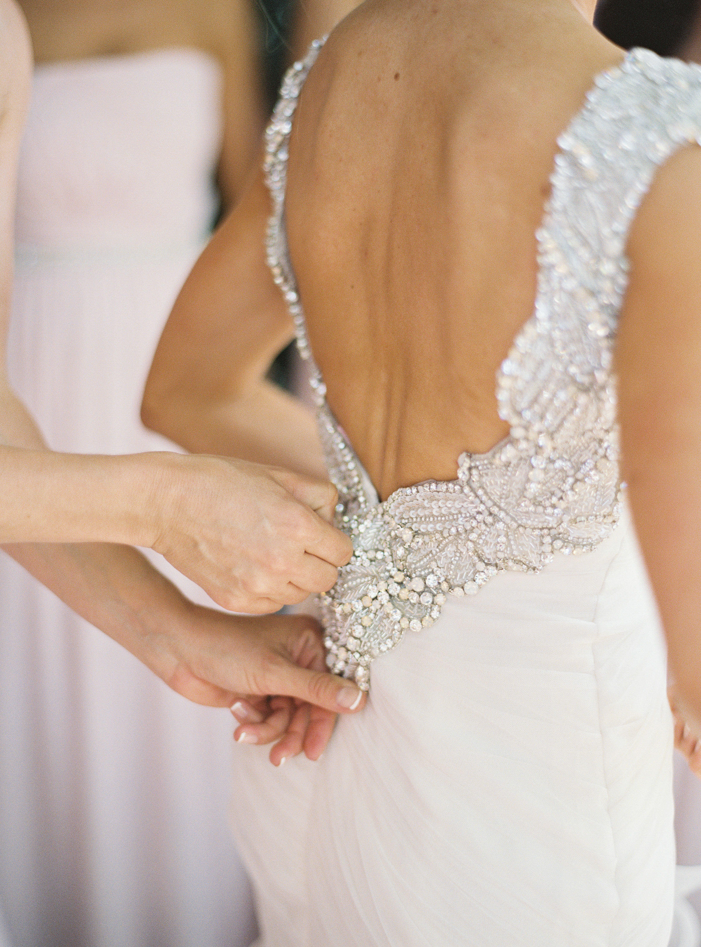 Wedding Dress Shopping Tips from asavvylifestyle.com | Jessica Burke Photography
