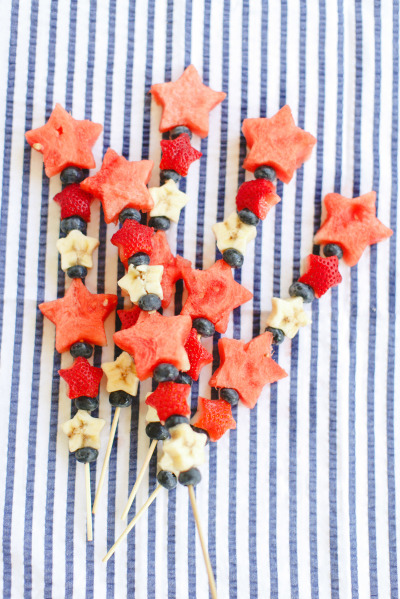 Memorial Day BBQ ideas | Ruth Eileen Photography via Style Me Pretty