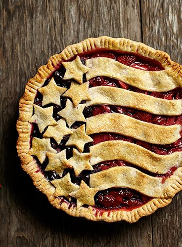 Memorial Day BBQ Ideas / American Berry Pie | Land O'Lakes