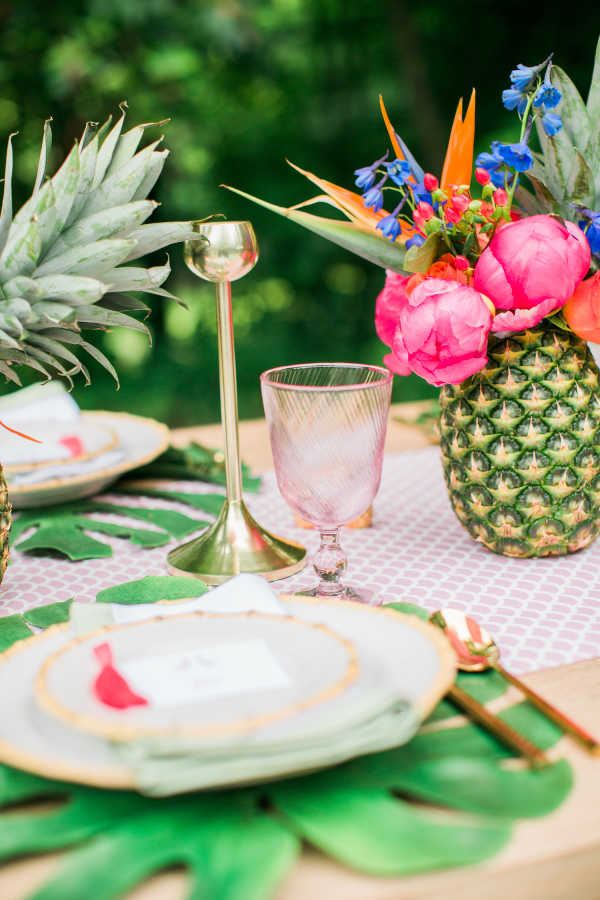 Summertime Party Ideas & Outdoor Entertaining | asavvylifestyle.com {image via SMPLiving}