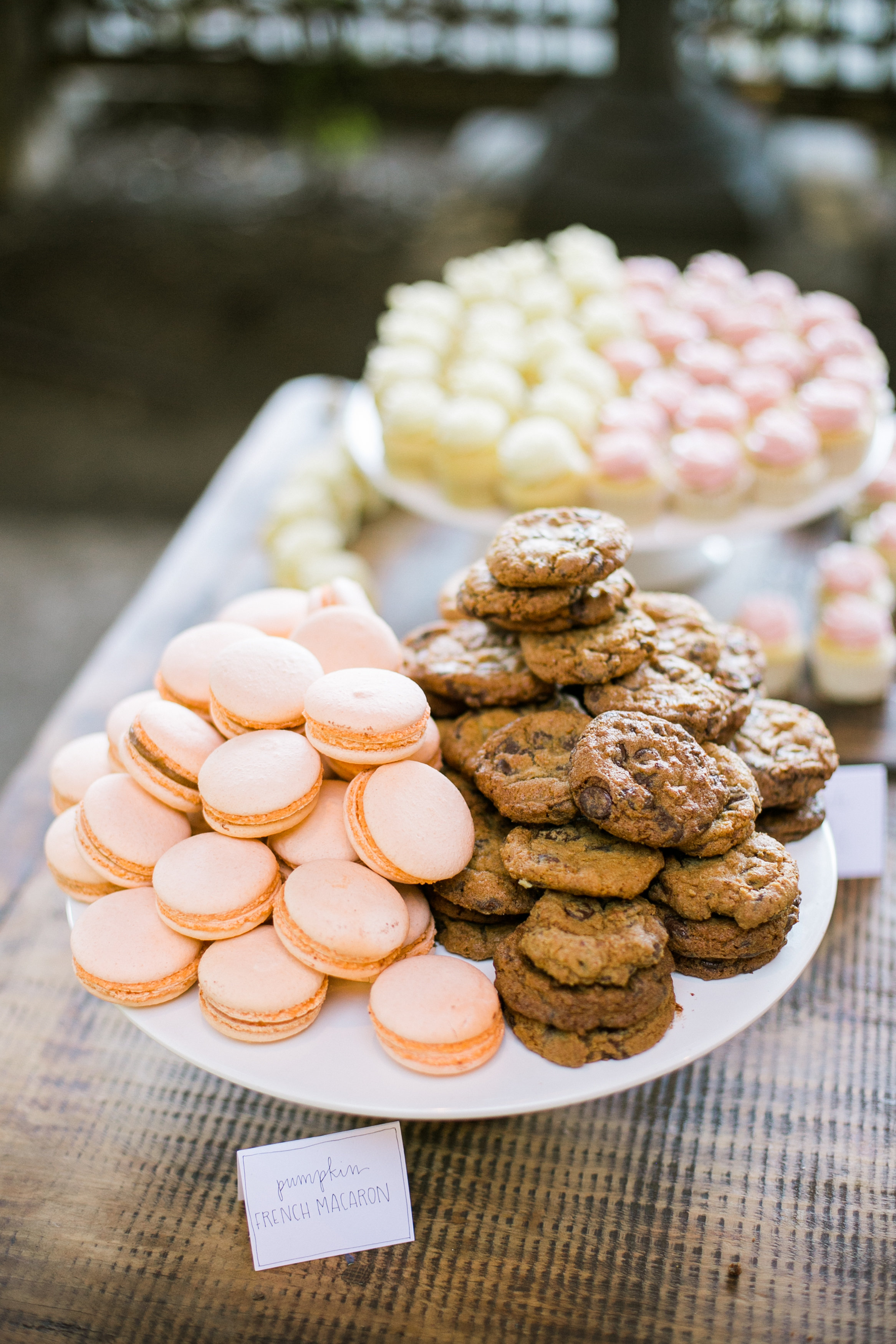 Wedding Wednesday: Moustache Baked Goods