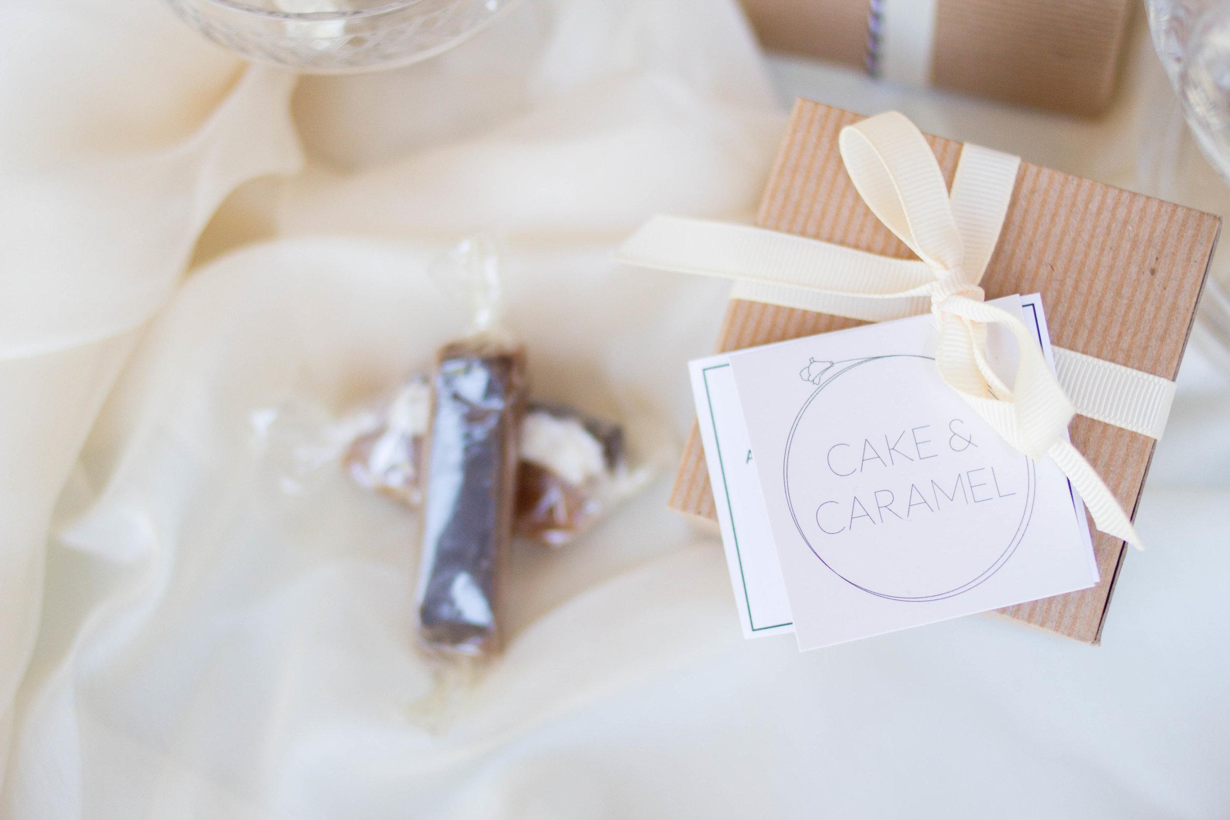 cake and caramel favor