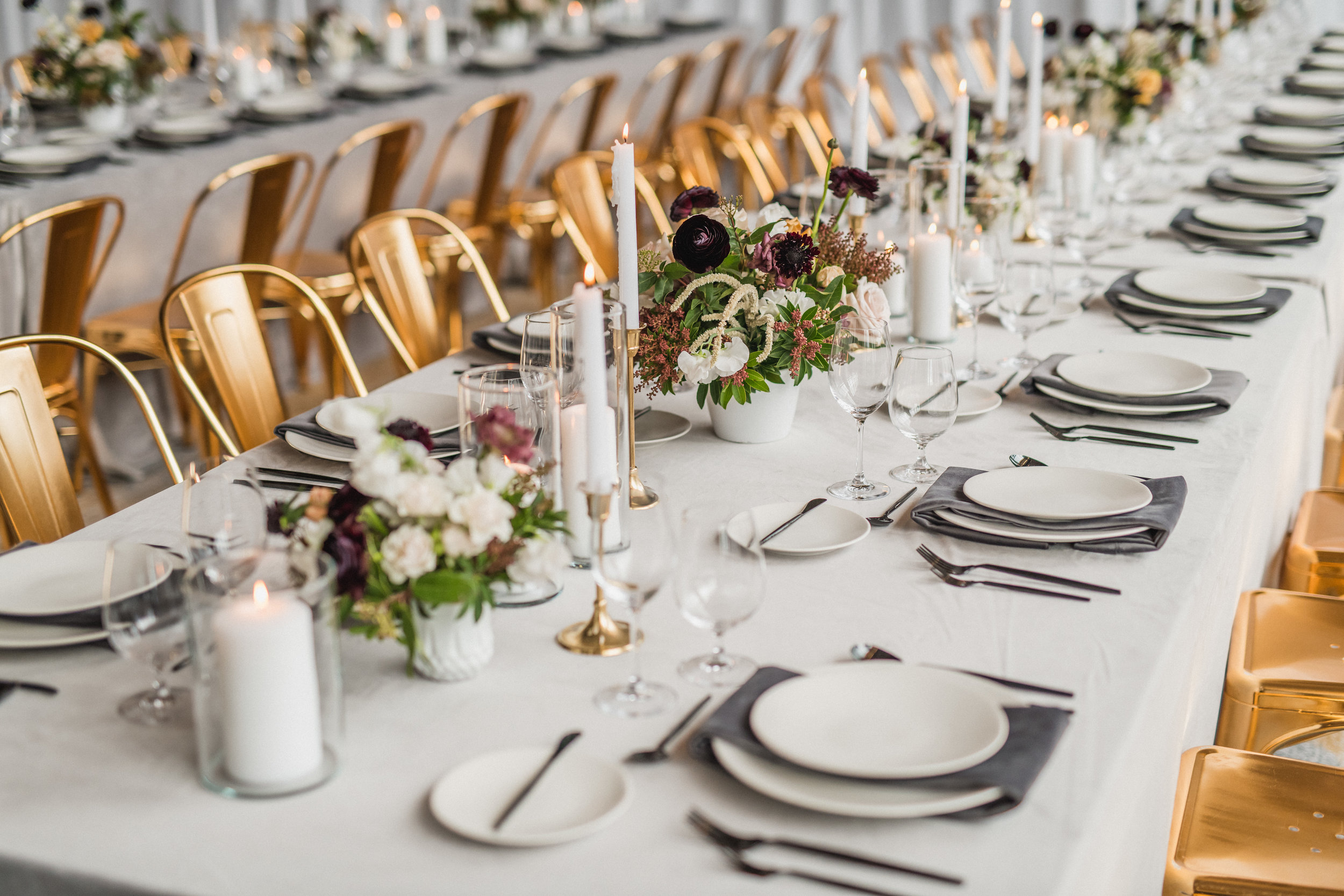 modern glam gray and gold wedding table design