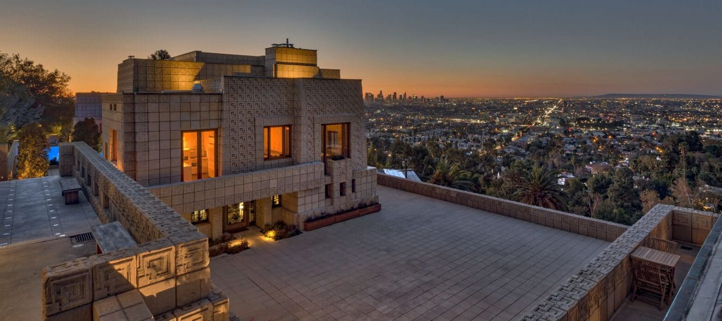 THE ENNIS HOUSE