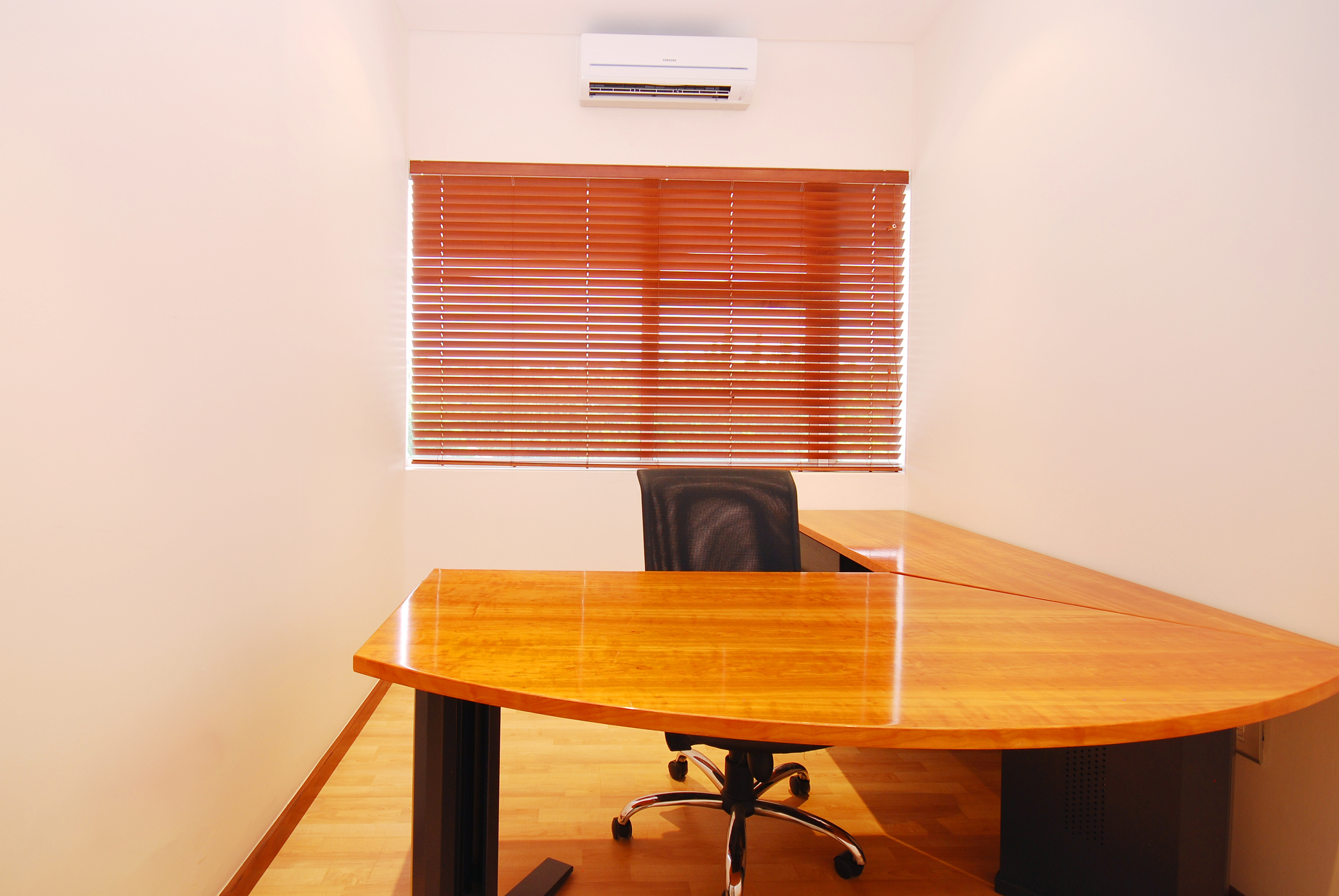 furnished offices.jpg