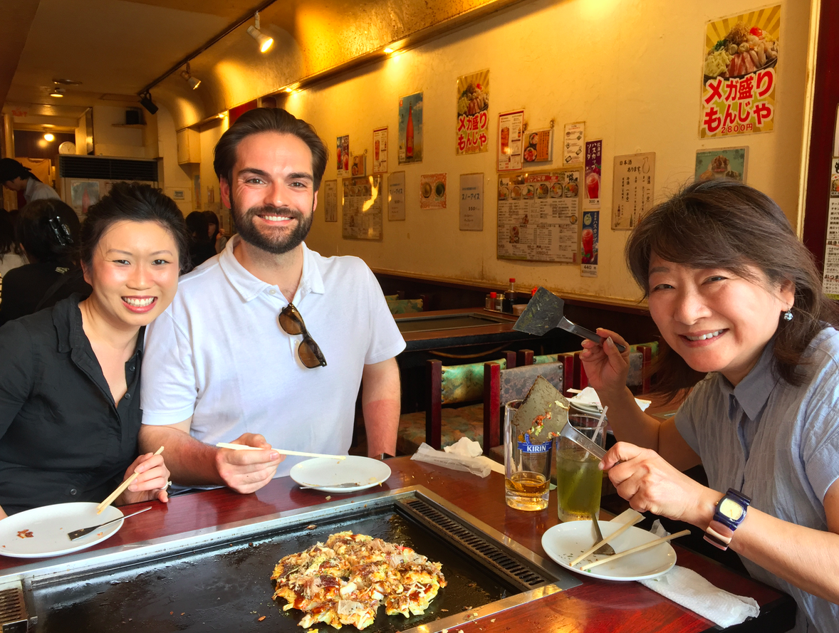 Monjayaki & Okonomiyaki - We make traditional Japanese savory pancakes together at this more-than-60-year old okonomiyaki restaurant. Enjoy a cold drink in the retro atmosphere here. When the pancake is ready to flip,we'll see who is confident enough to try and flip it. But be careful not to mess up!