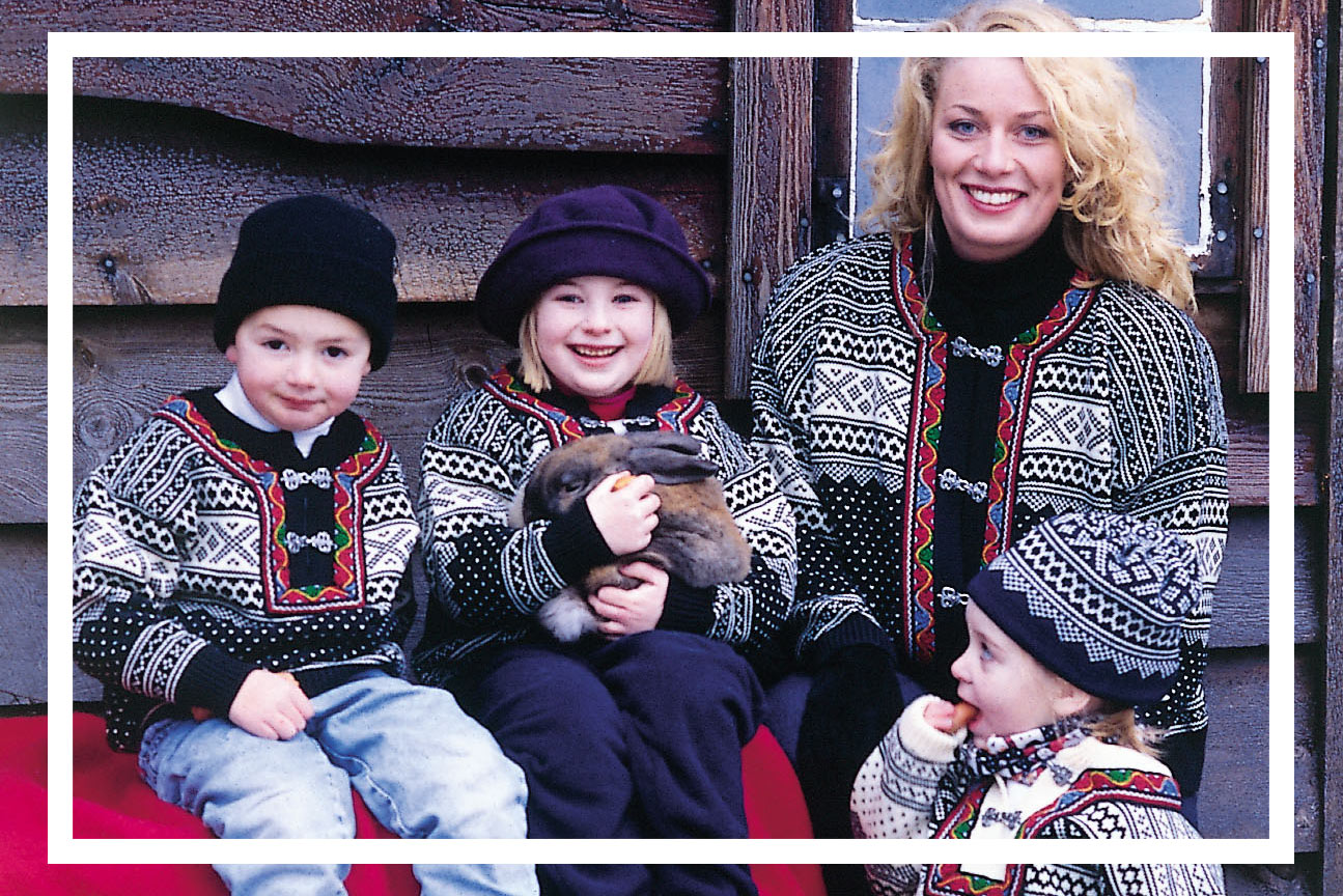 OUR TRADITIONS - Wool plays an important role in the Norwegian heritage and has been used in Norway for clothing for over 6000 years. In more recent centuries wool has been used for knitting, weaving, and felting, and it is the most used raw material in our national folk costumes. Advanced multicolour patterns were hand knitted and decked with beautiful woven bands and pewter clasps. You will find all of these elements in the patterns used in Norlender's knitwear. Our knitwear range is always inspired by our traditions, history and our spectacular nature, made into beautiful garments, suitable for the modern men, women and children.